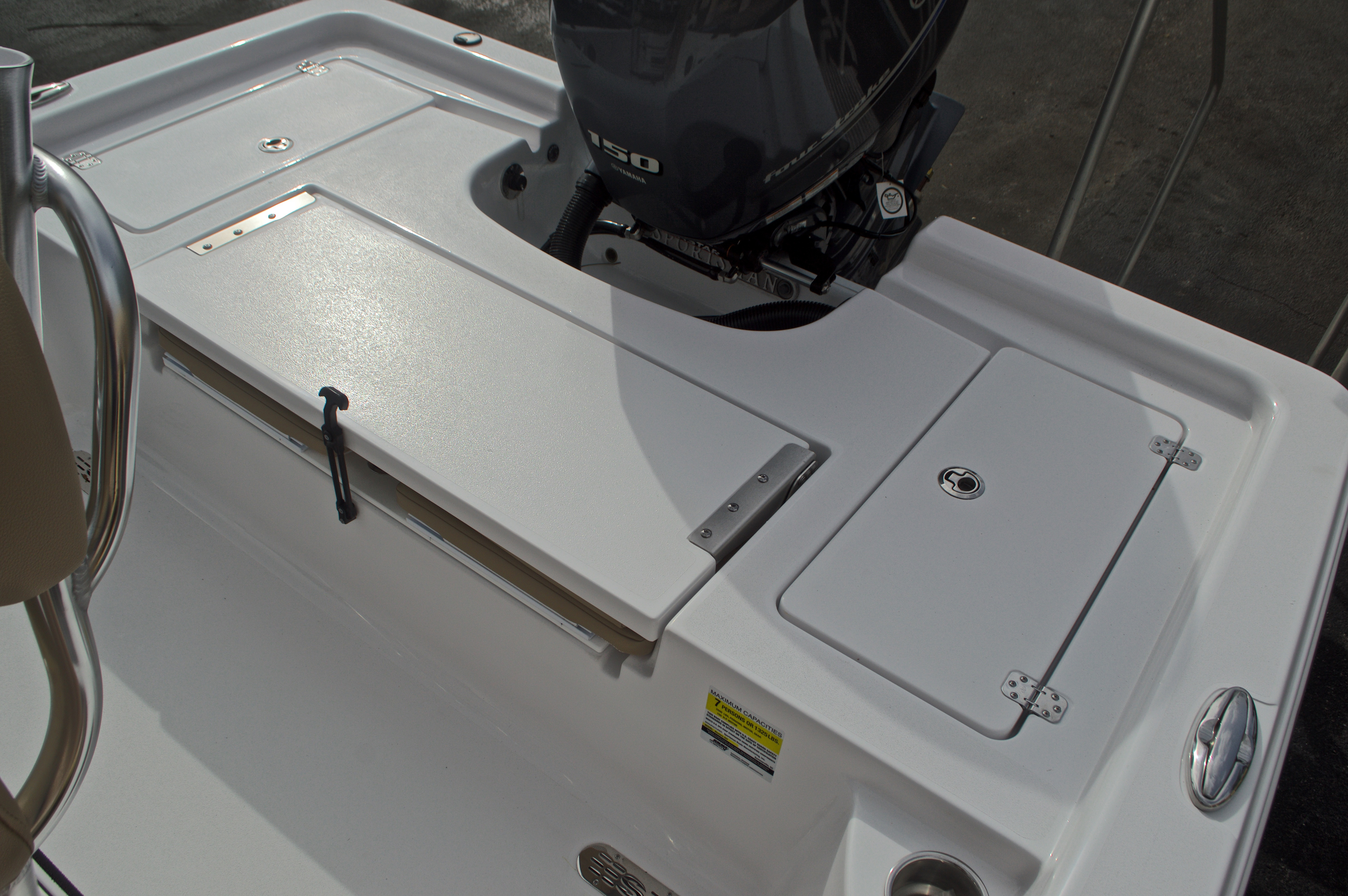 Thumbnail 15 for New 2017 Sportsman Masters 207 Bay Boat boat for sale in Vero Beach, FL
