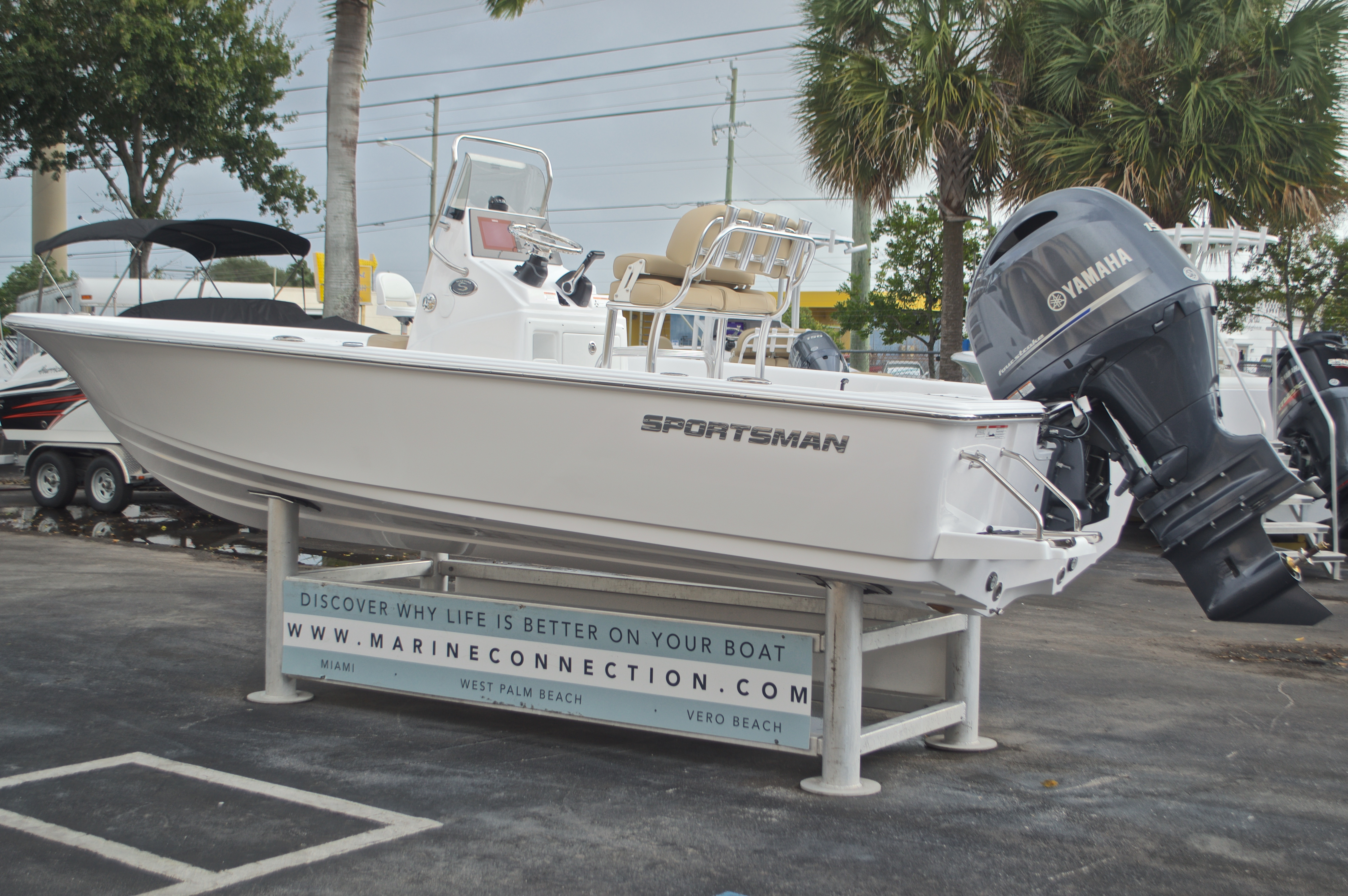 Thumbnail 6 for New 2017 Sportsman Masters 207 Bay Boat boat for sale in Vero Beach, FL