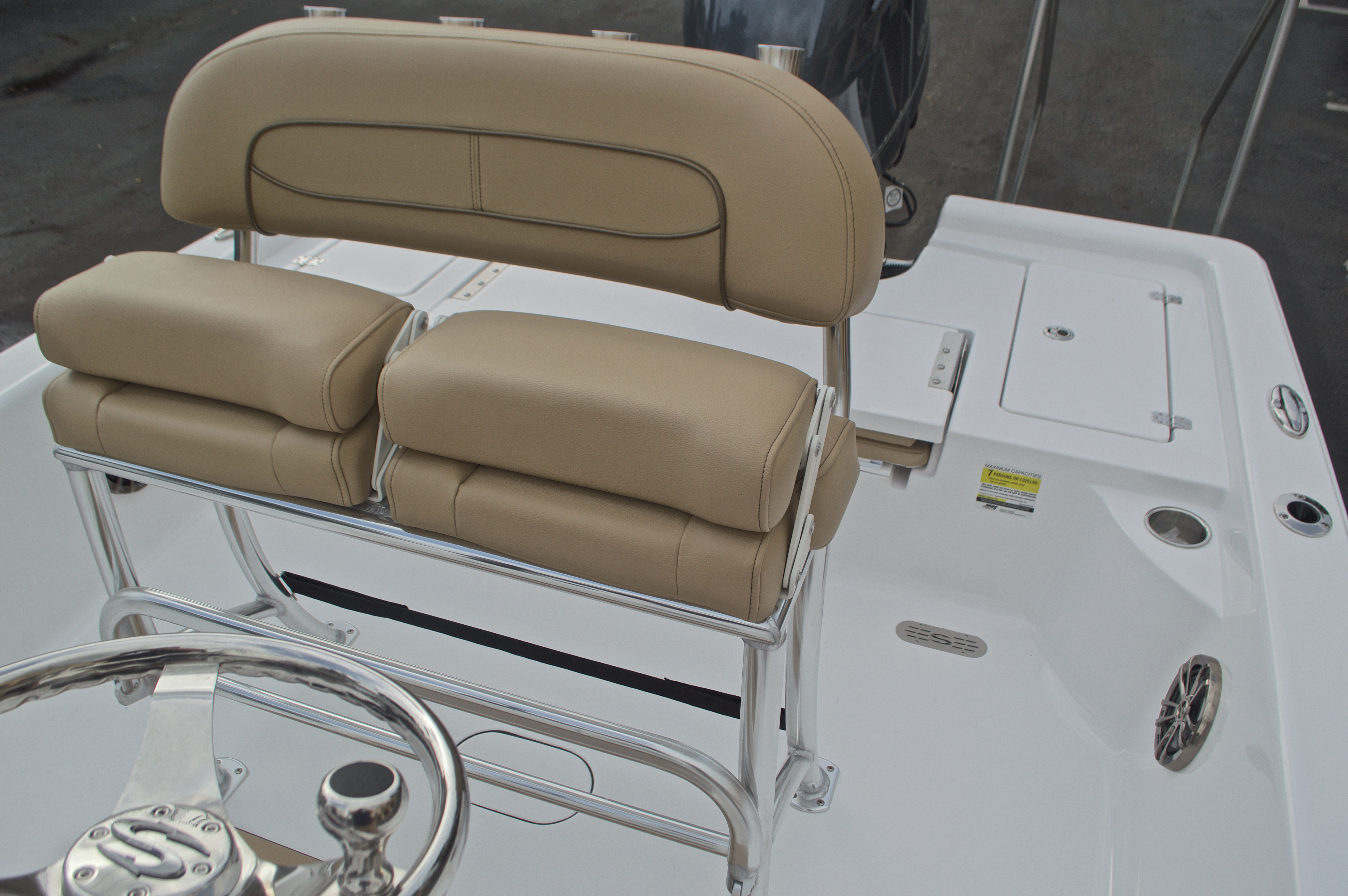Thumbnail 24 for New 2017 Sportsman Masters 207 Bay Boat boat for sale in Vero Beach, FL