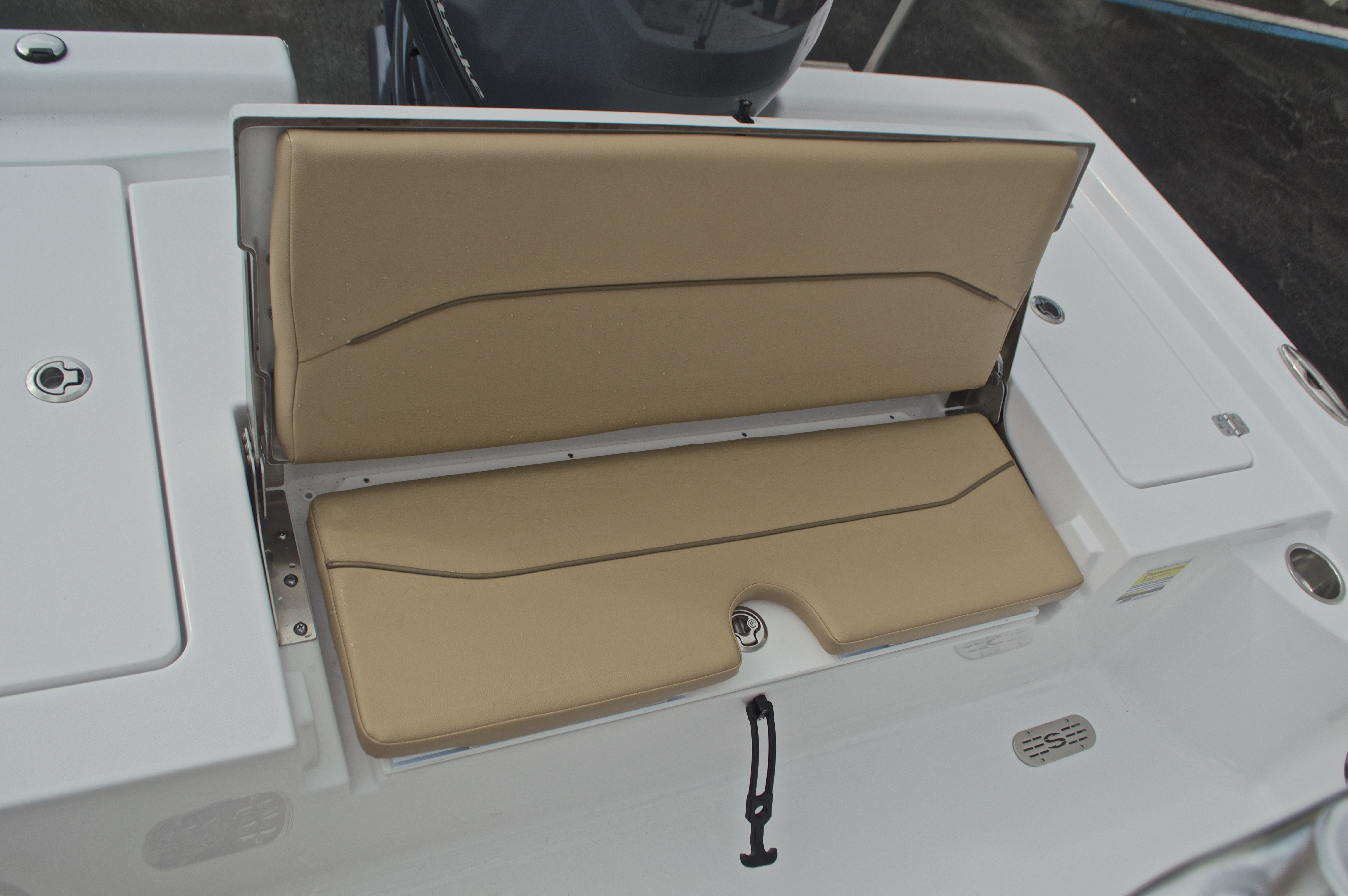 Thumbnail 19 for New 2017 Sportsman Masters 207 Bay Boat boat for sale in Vero Beach, FL