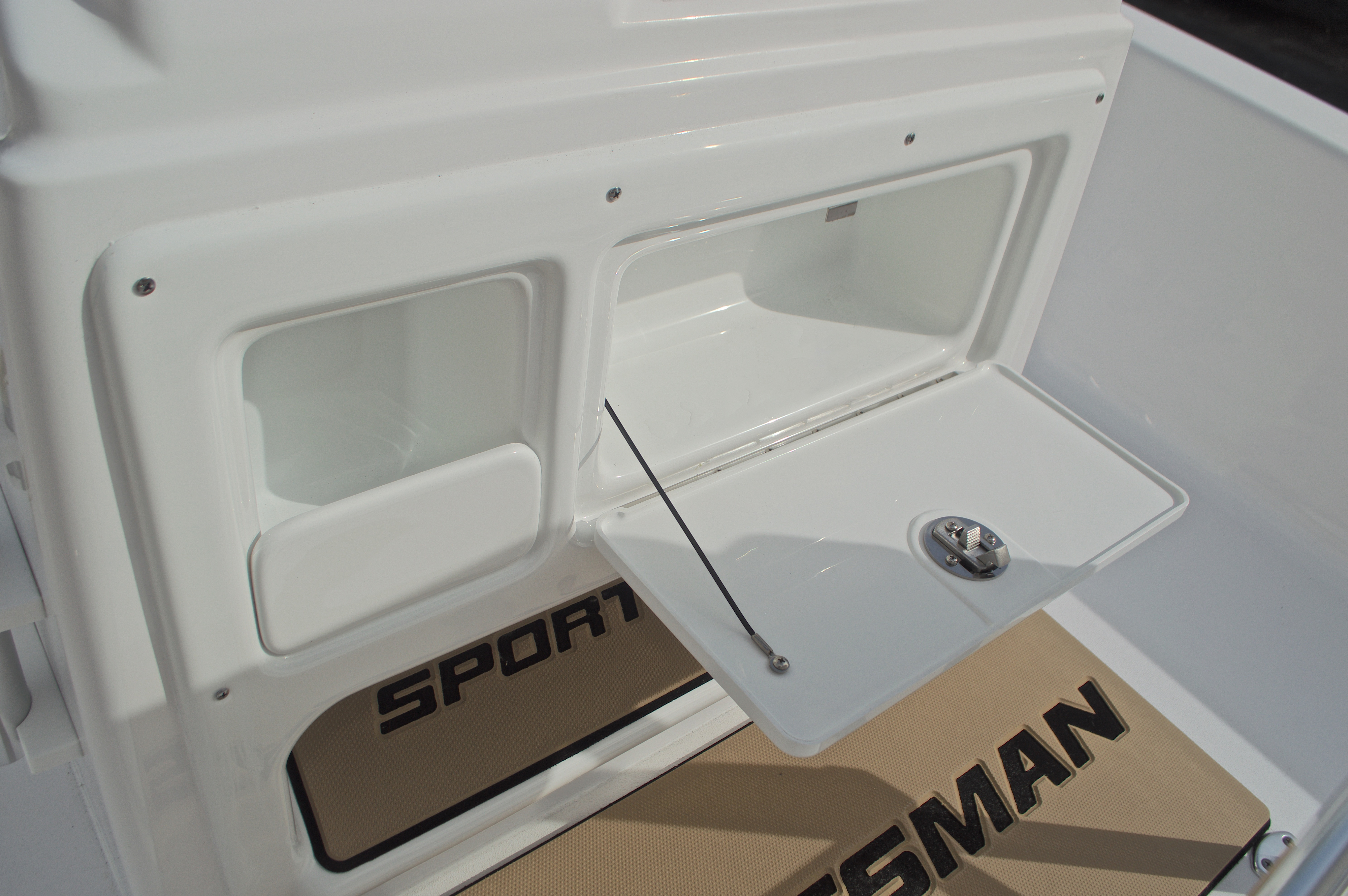 Thumbnail 31 for New 2017 Sportsman Masters 207 Bay Boat boat for sale in Vero Beach, FL