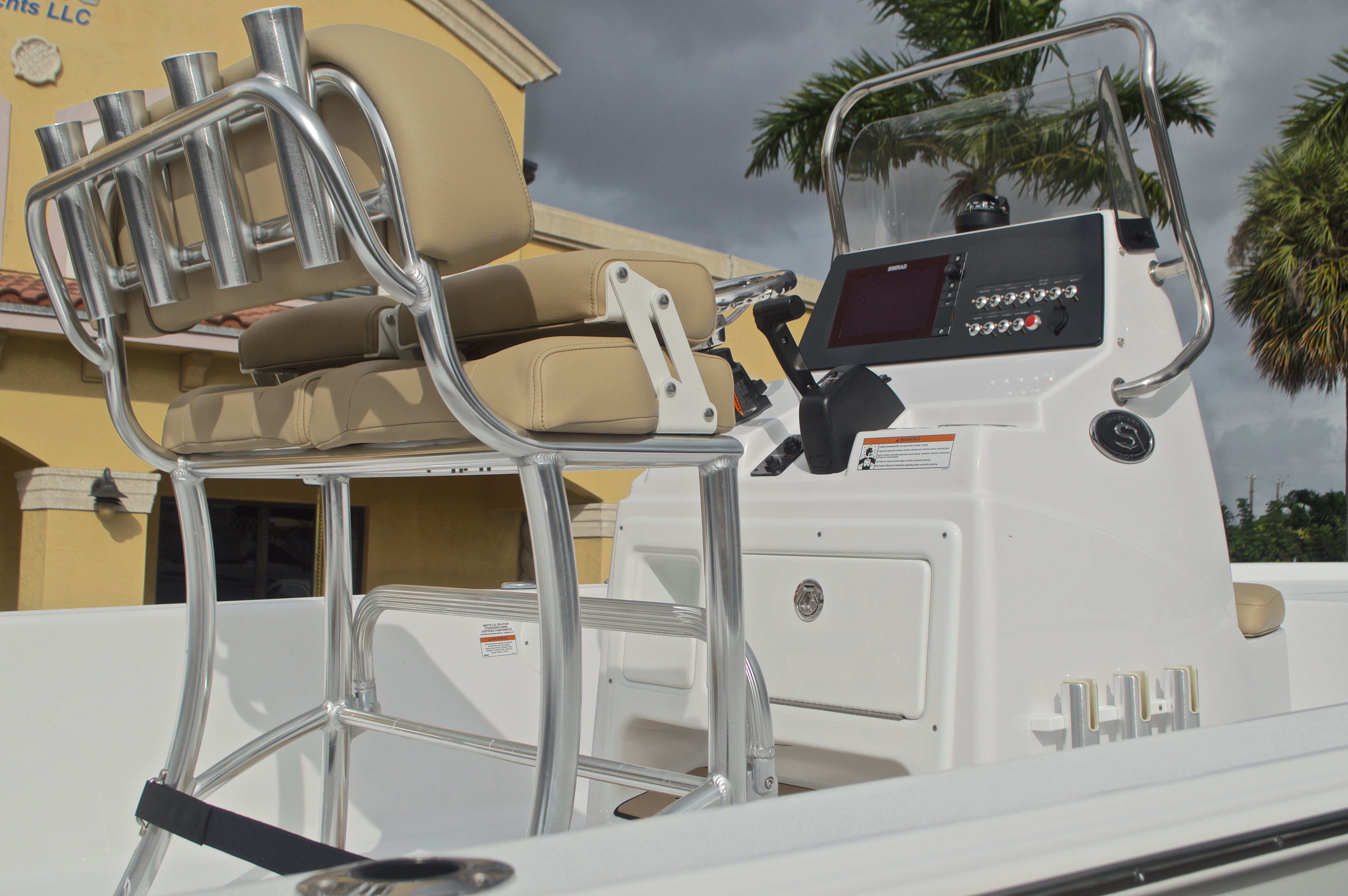 Thumbnail 9 for New 2017 Sportsman Masters 207 Bay Boat boat for sale in Vero Beach, FL