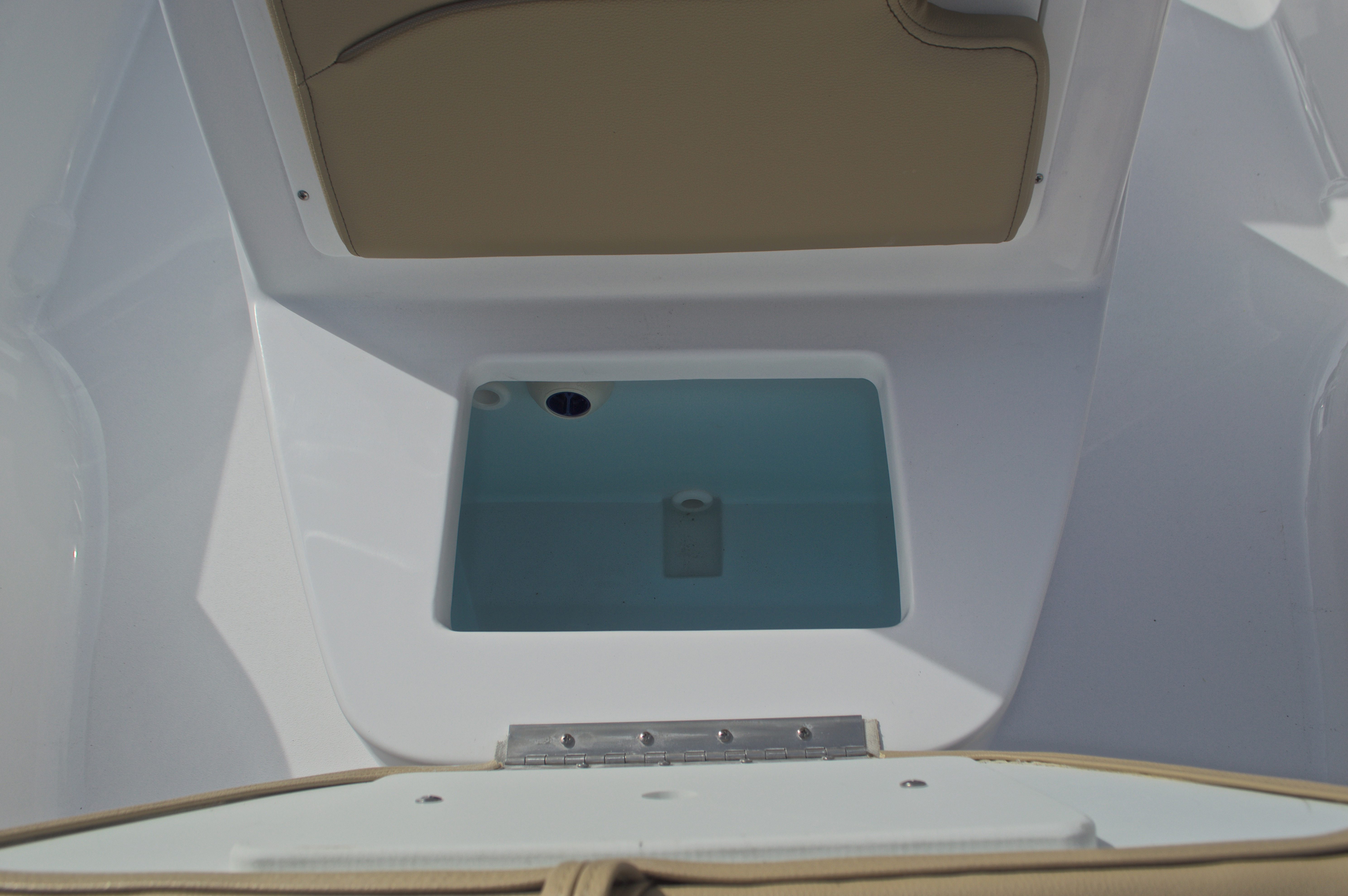 Thumbnail 41 for New 2017 Sportsman Masters 207 Bay Boat boat for sale in Vero Beach, FL