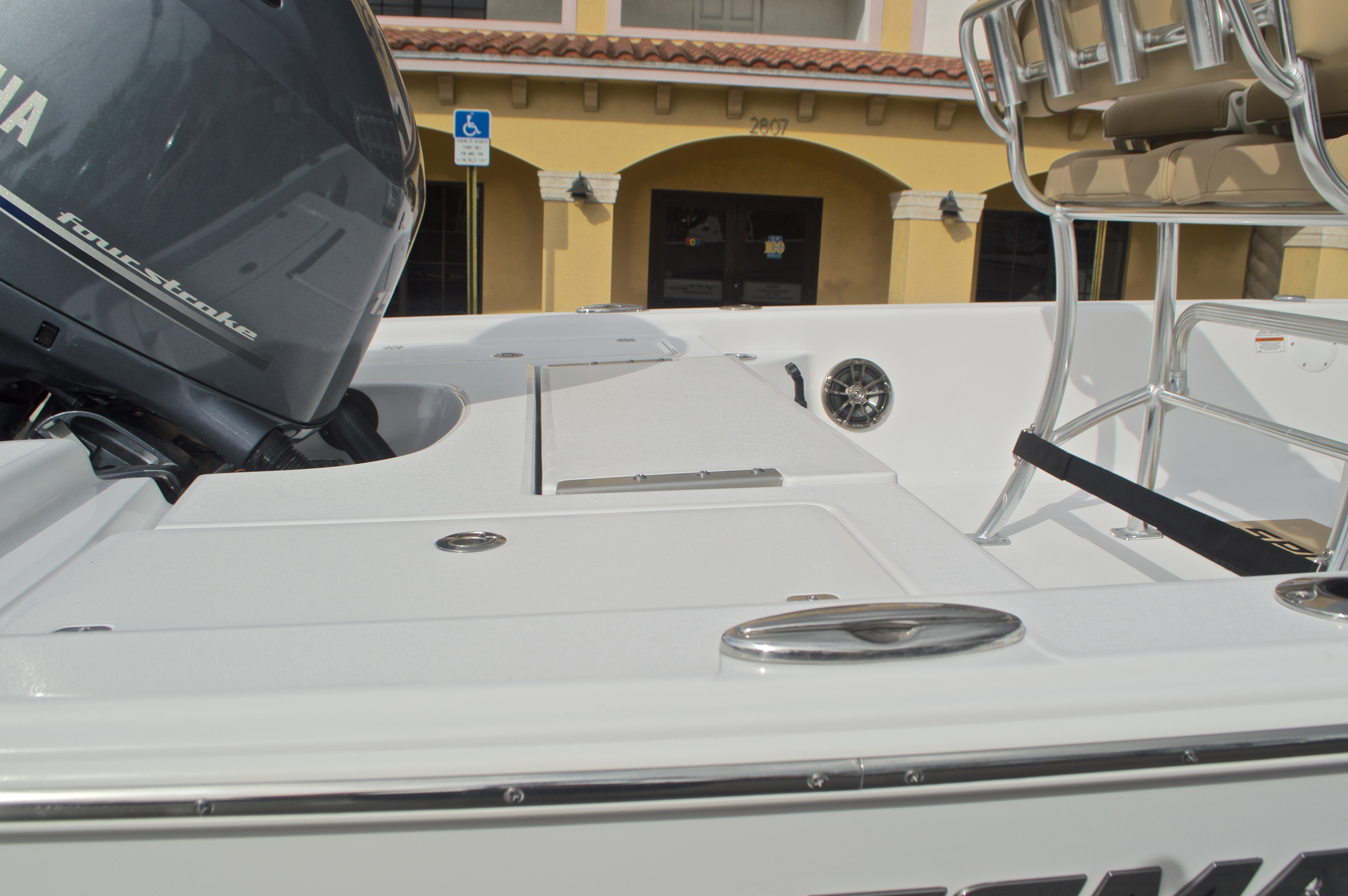 Thumbnail 10 for New 2017 Sportsman Masters 207 Bay Boat boat for sale in Vero Beach, FL