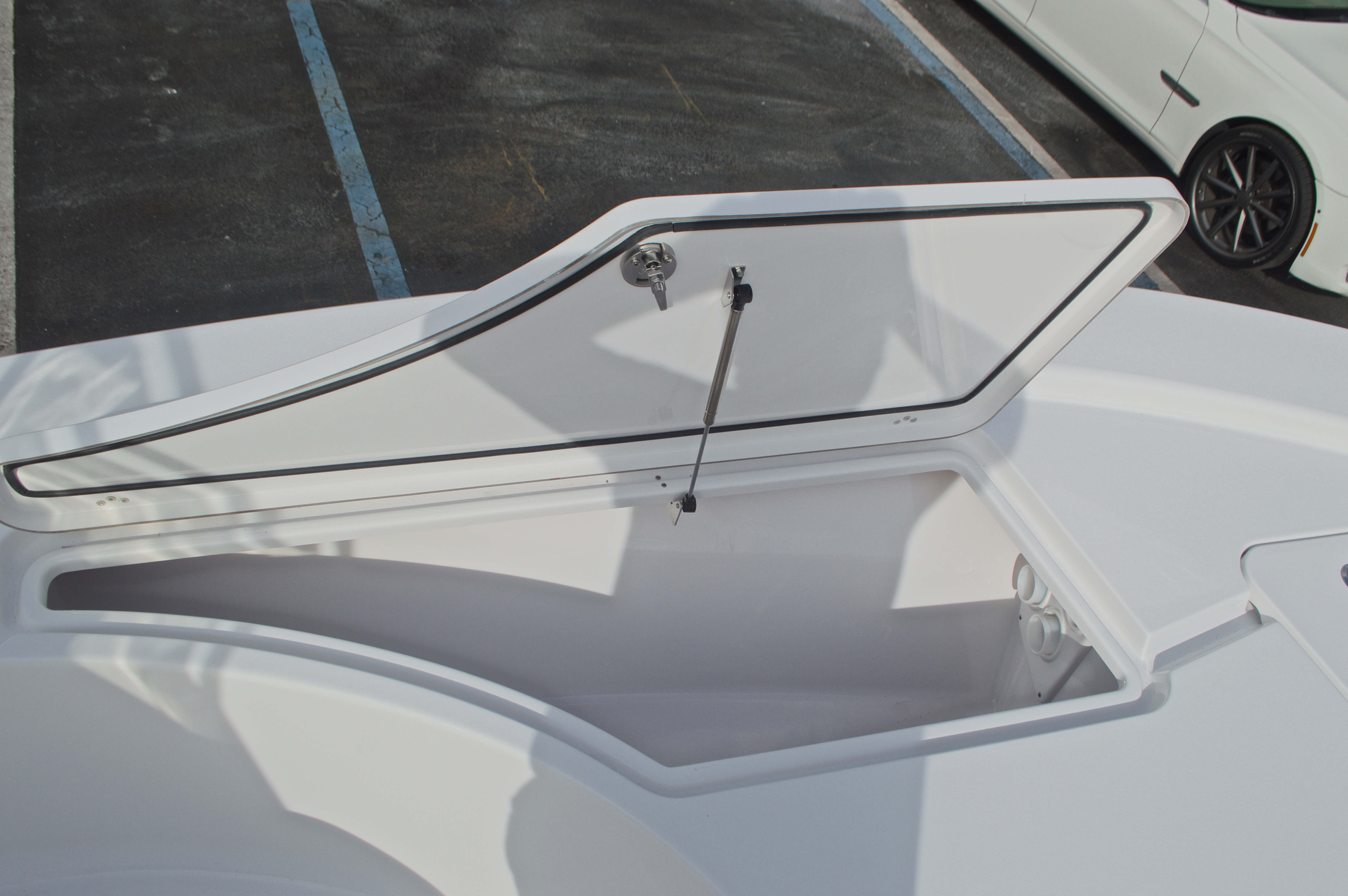 Thumbnail 45 for New 2017 Sportsman Masters 207 Bay Boat boat for sale in Vero Beach, FL