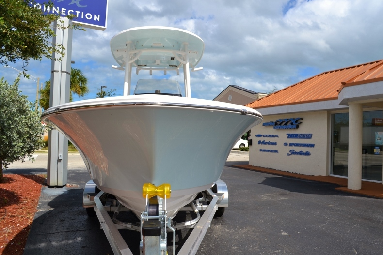Thumbnail 2 for New 2017 Sportsman Heritage 211 Center Console boat for sale in Miami, FL