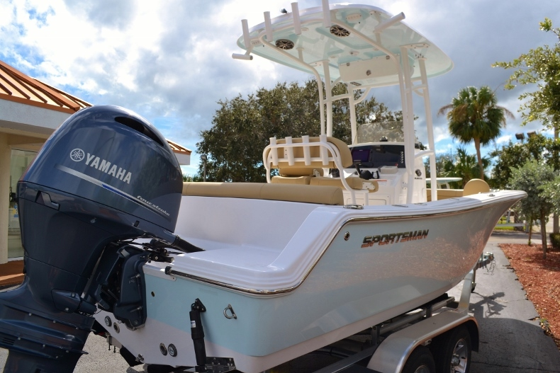 Thumbnail 5 for New 2017 Sportsman Heritage 211 Center Console boat for sale in Miami, FL