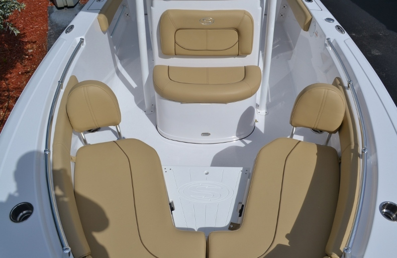 Thumbnail 11 for New 2017 Sportsman Heritage 211 Center Console boat for sale in Miami, FL