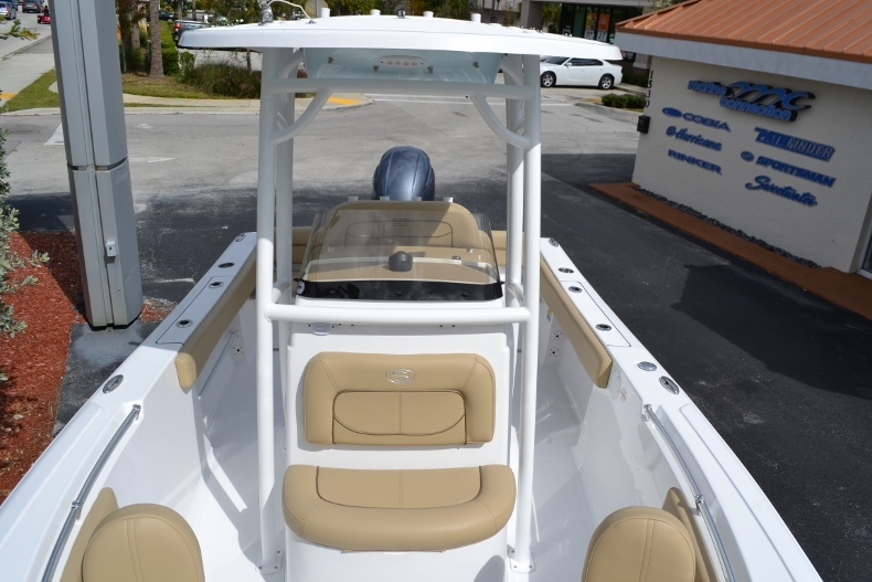 Thumbnail 12 for New 2017 Sportsman Heritage 211 Center Console boat for sale in Miami, FL