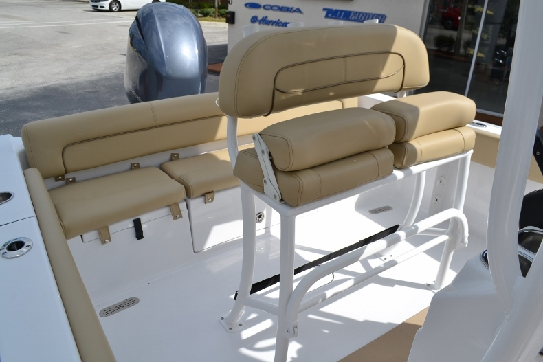 Thumbnail 14 for New 2017 Sportsman Heritage 211 Center Console boat for sale in Miami, FL