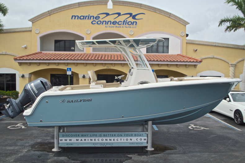 New 2017 Sailfish 236 CC Center Conosle boat for sale in Miami, FL
