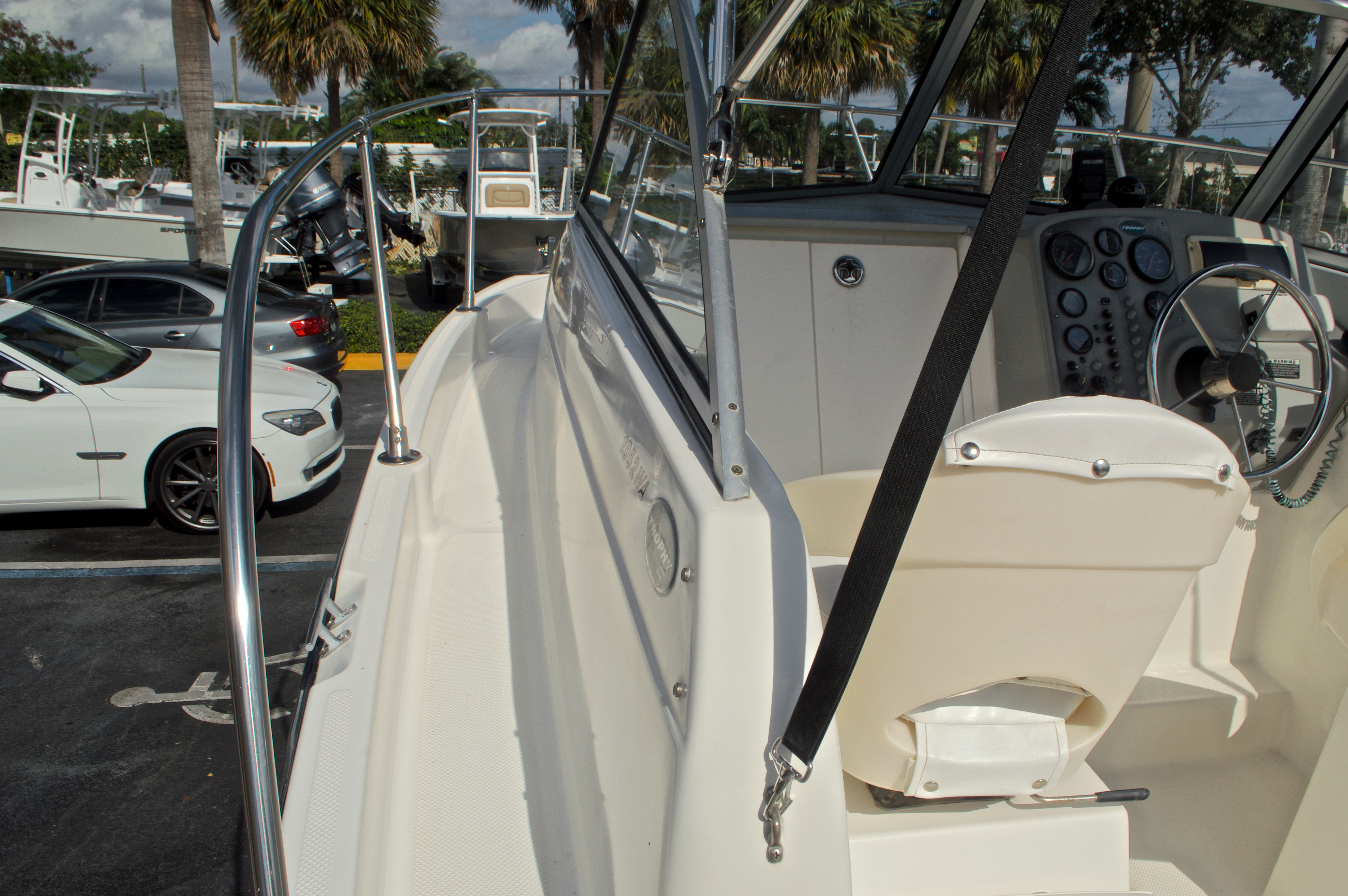 Thumbnail 20 for Used 2005 Trophy 1952 WAC Walk Around boat for sale in West Palm Beach, FL