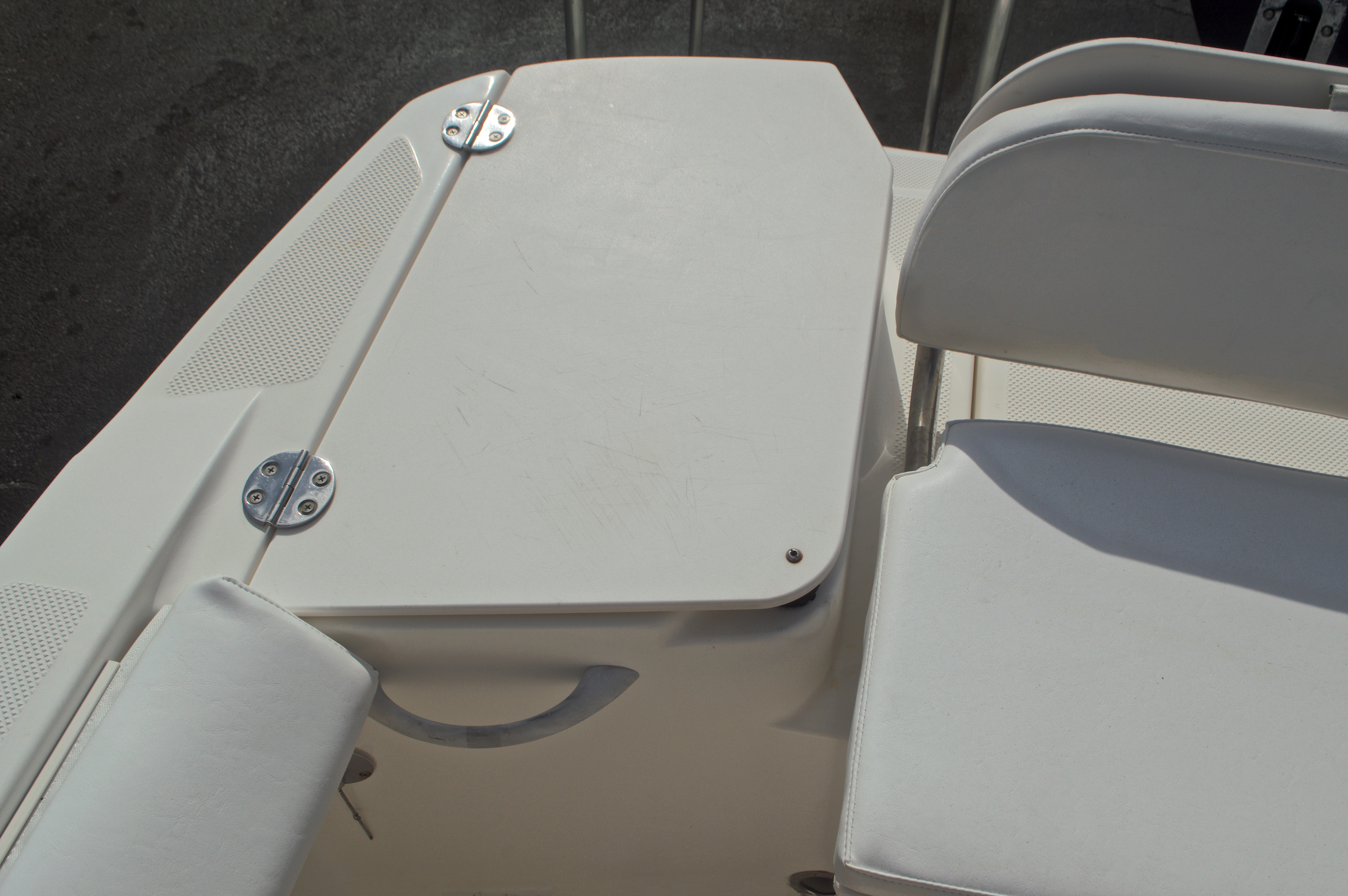 Thumbnail 10 for Used 2005 Trophy 1952 WAC Walk Around boat for sale in West Palm Beach, FL