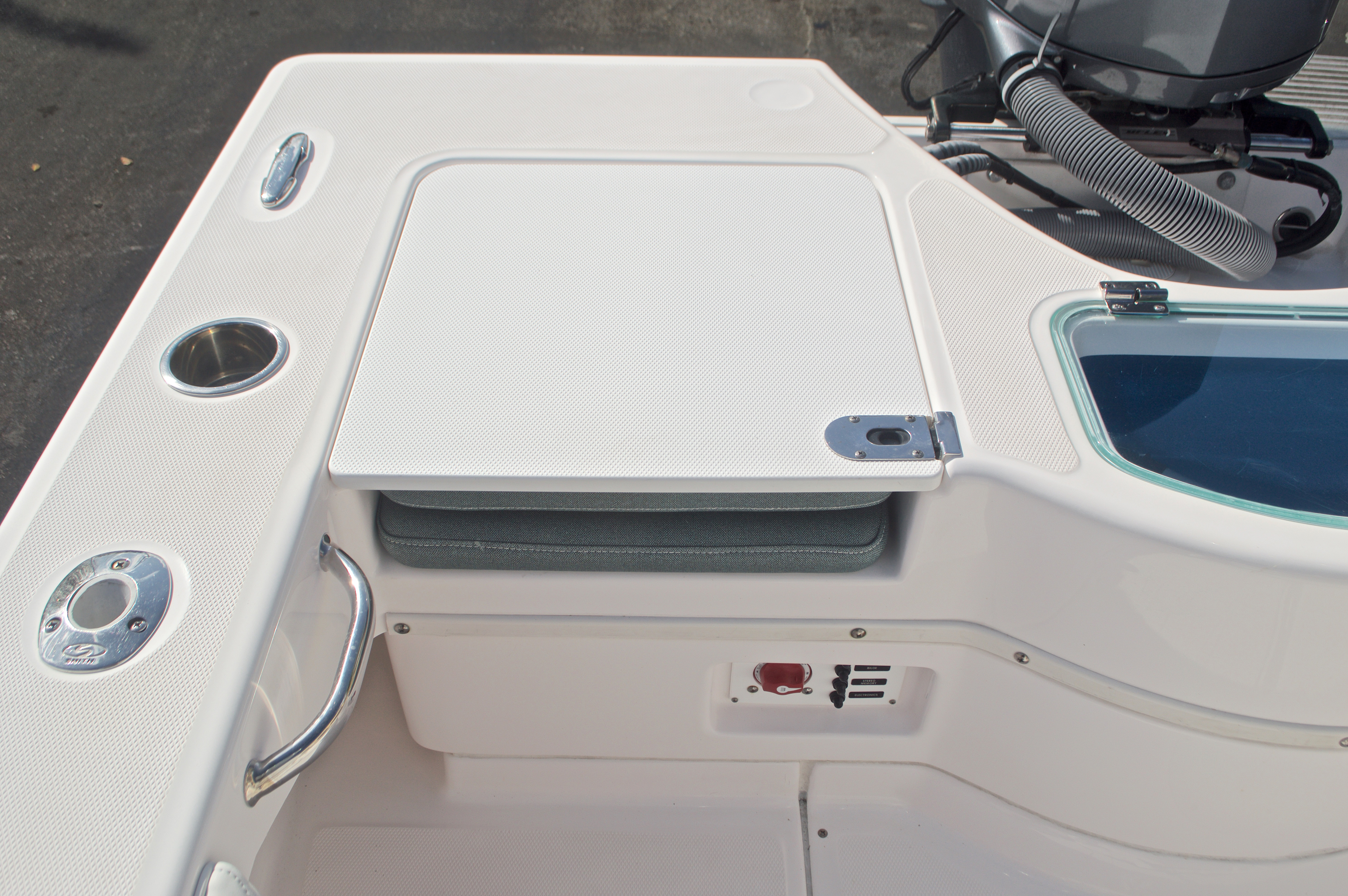 Thumbnail 15 for Used 2014 Everglades 243 Center Console boat for sale in West Palm Beach, FL