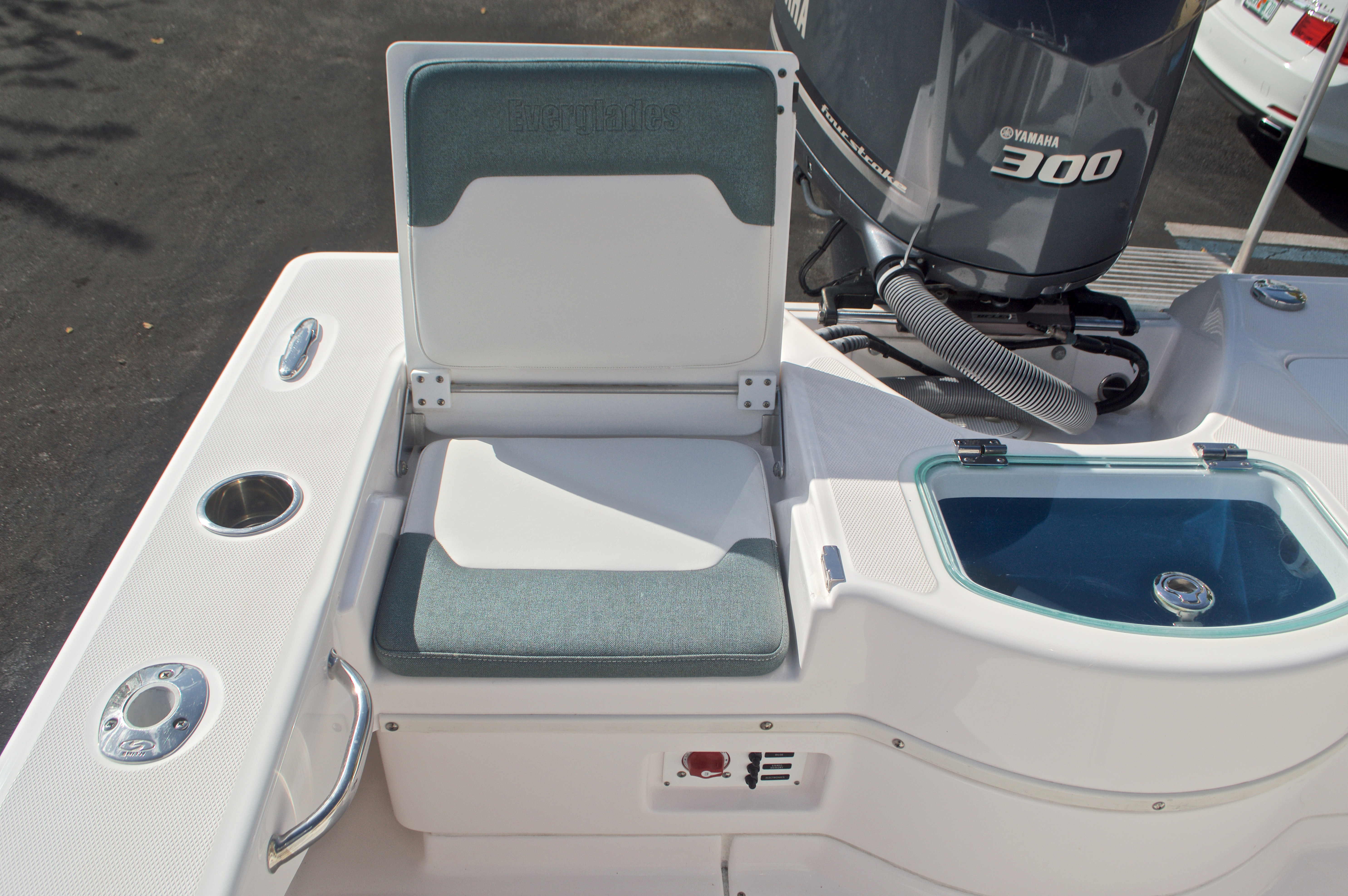 Thumbnail 16 for Used 2014 Everglades 243 Center Console boat for sale in West Palm Beach, FL