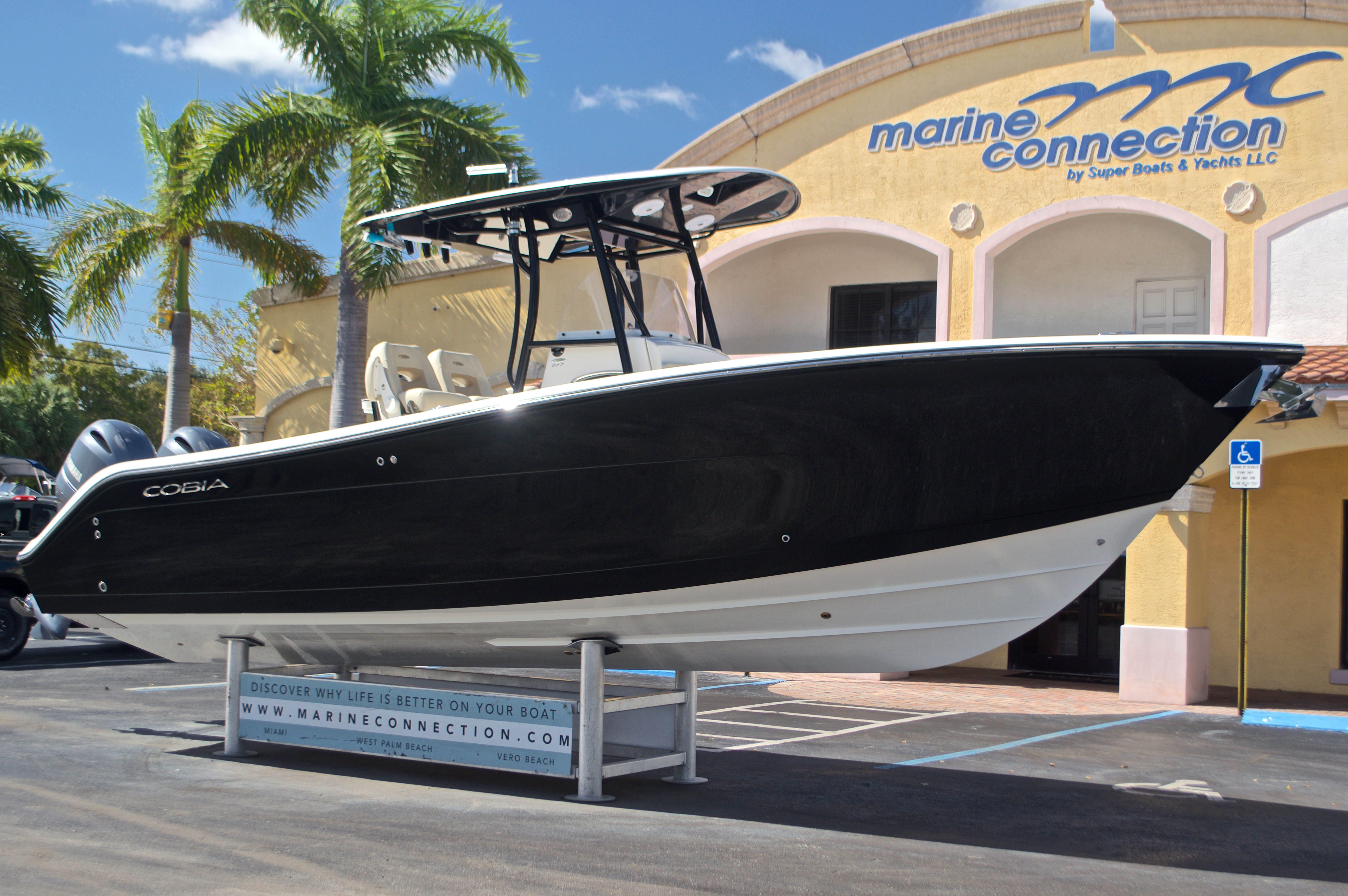 Thumbnail 1 for New 2017 Cobia 277 Center Console boat for sale in West Palm Beach, FL