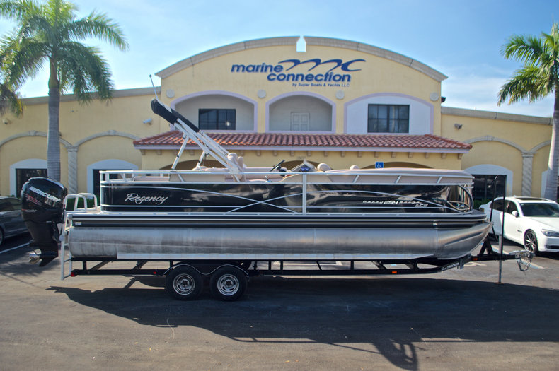 Used 2014 Regency Party Barge 254 XP3 boat for sale in West Palm Beach, FL
