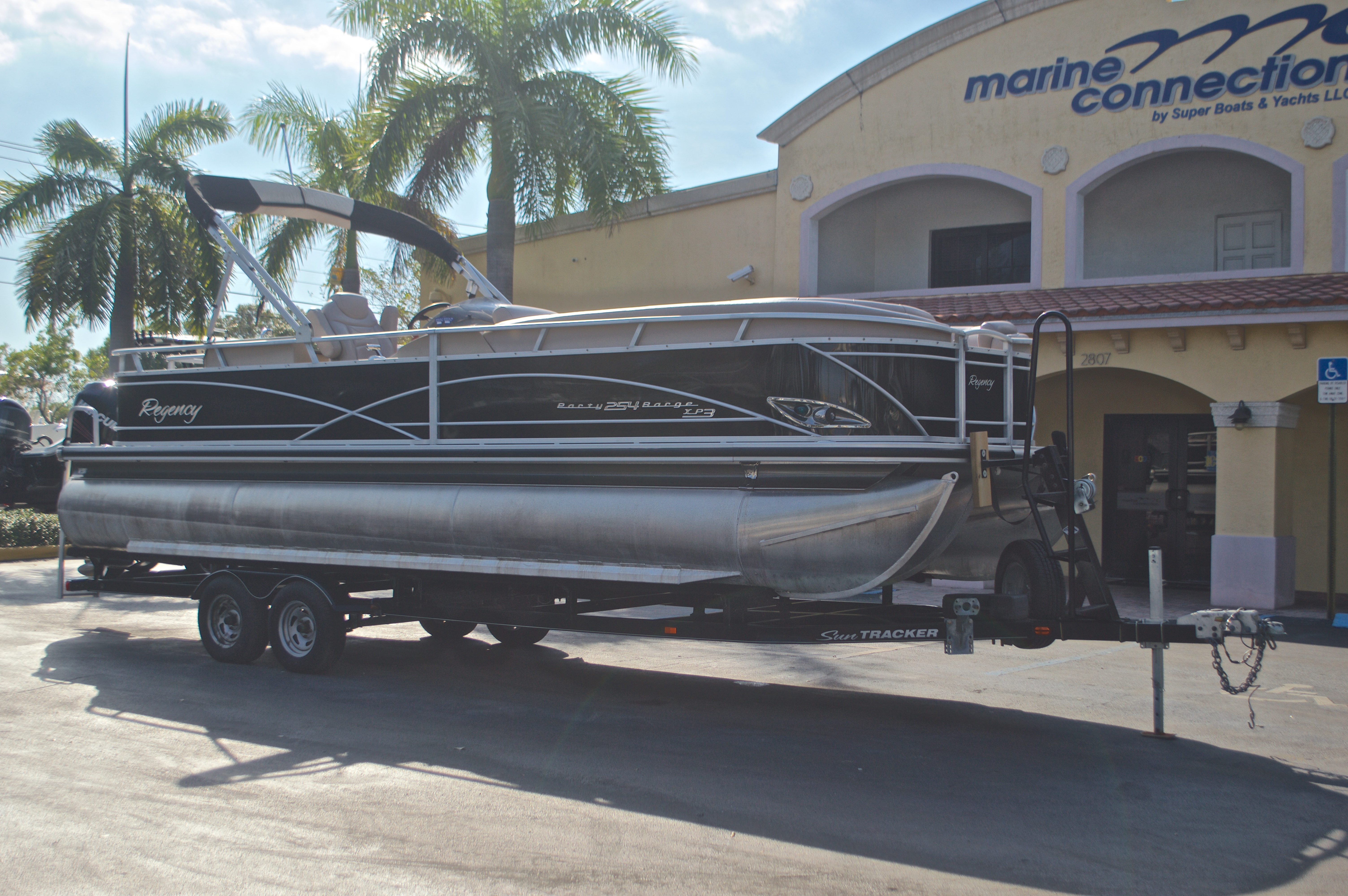 Thumbnail 2 for Used 2014 Regency Party Barge 254 XP3 boat for sale in West Palm Beach, FL