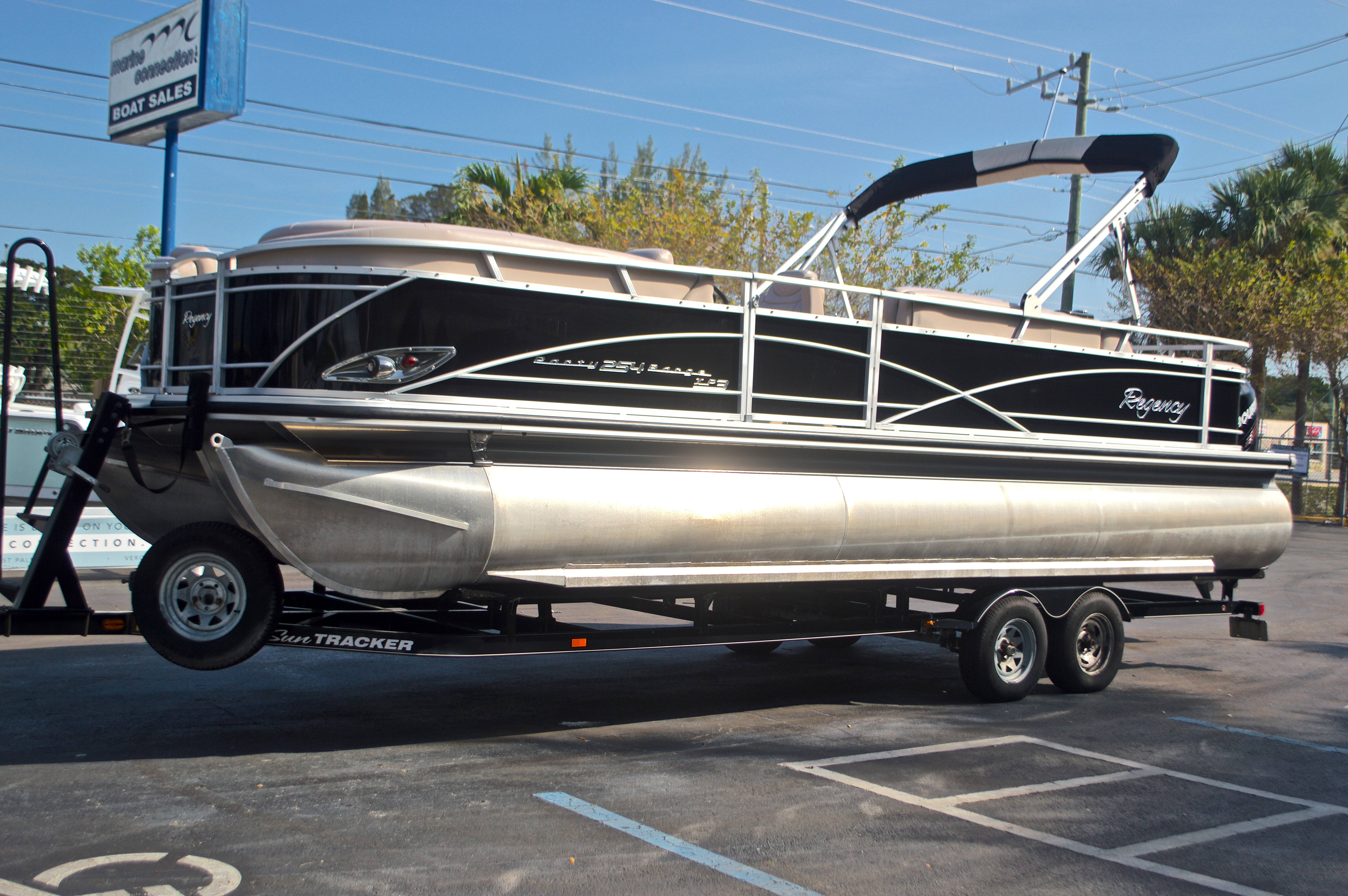 Thumbnail 4 for Used 2014 Regency Party Barge 254 XP3 boat for sale in West Palm Beach, FL