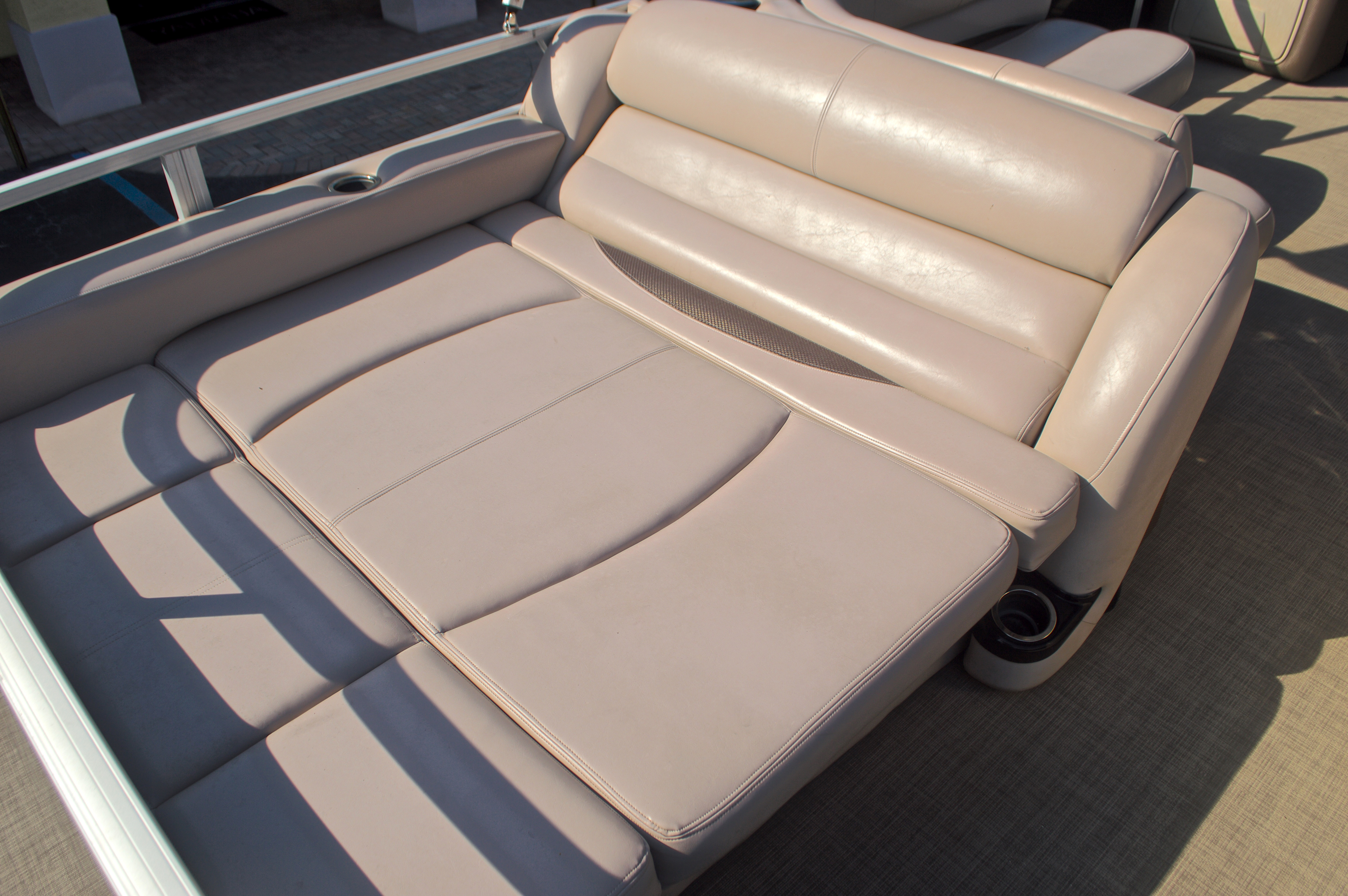 Thumbnail 15 for Used 2014 Regency Party Barge 254 XP3 boat for sale in West Palm Beach, FL