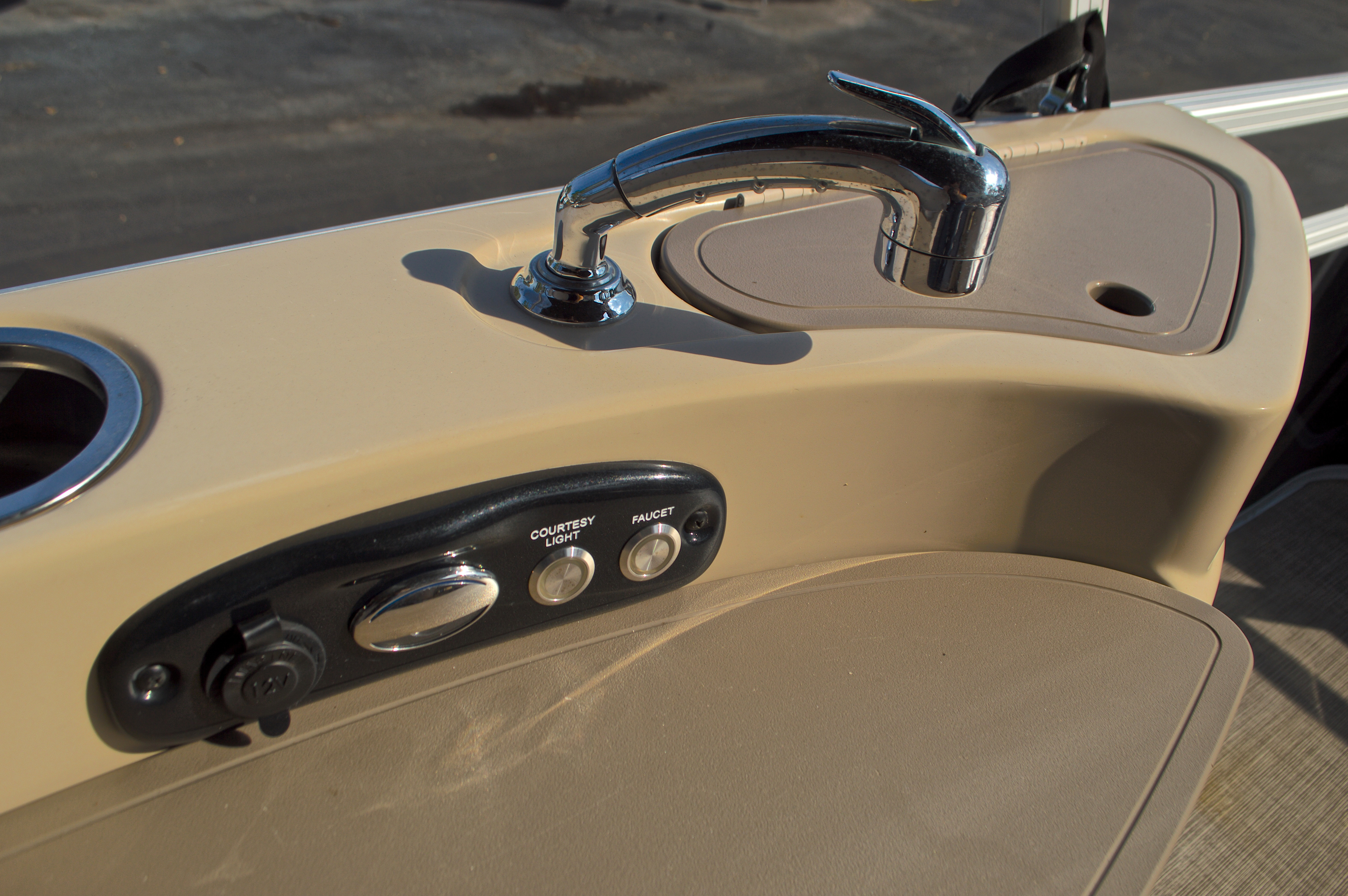 Thumbnail 22 for Used 2014 Regency Party Barge 254 XP3 boat for sale in West Palm Beach, FL