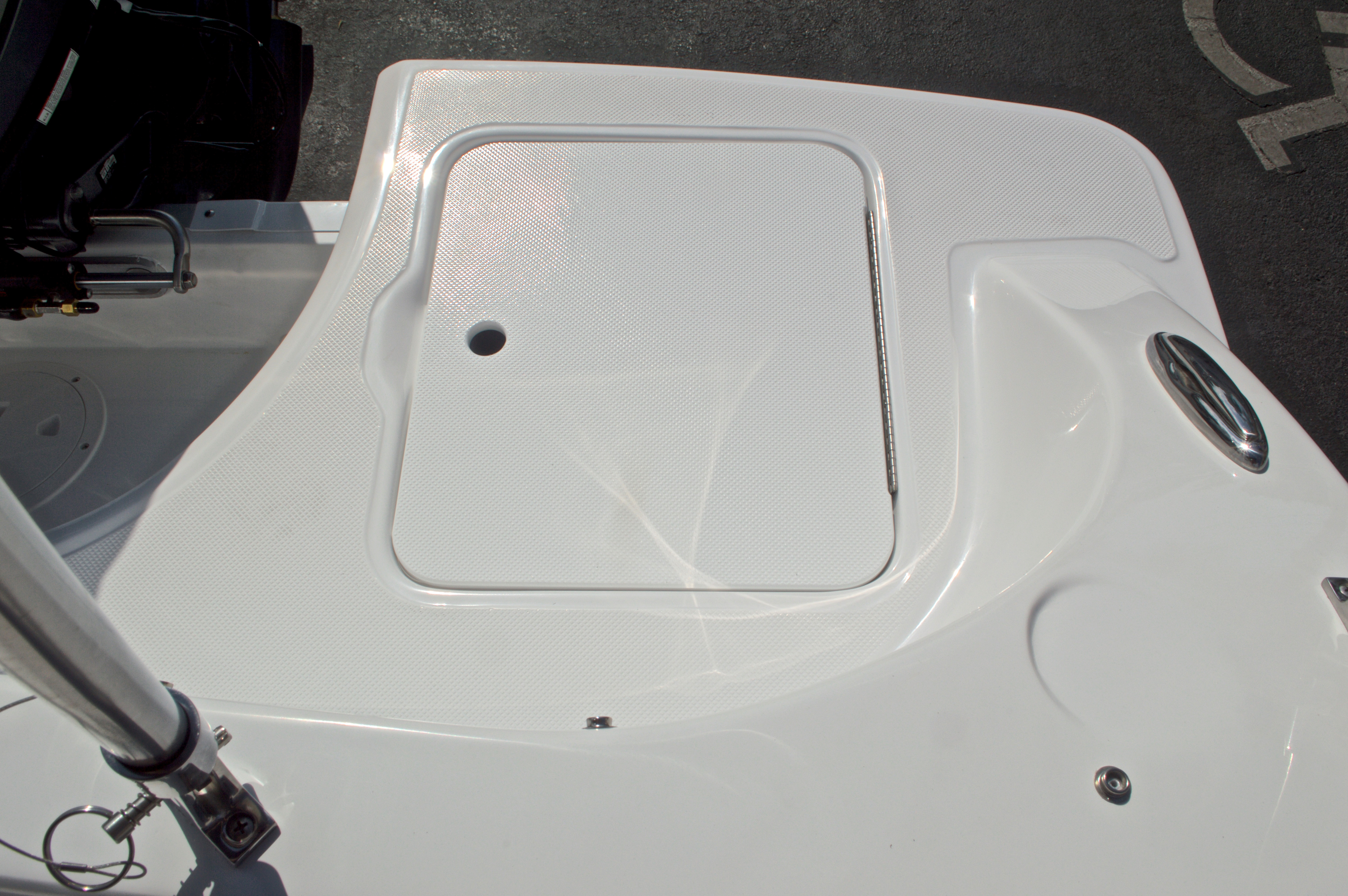 Thumbnail 11 for New 2017 Hurricane SunDeck SD 187 OB boat for sale in West Palm Beach, FL