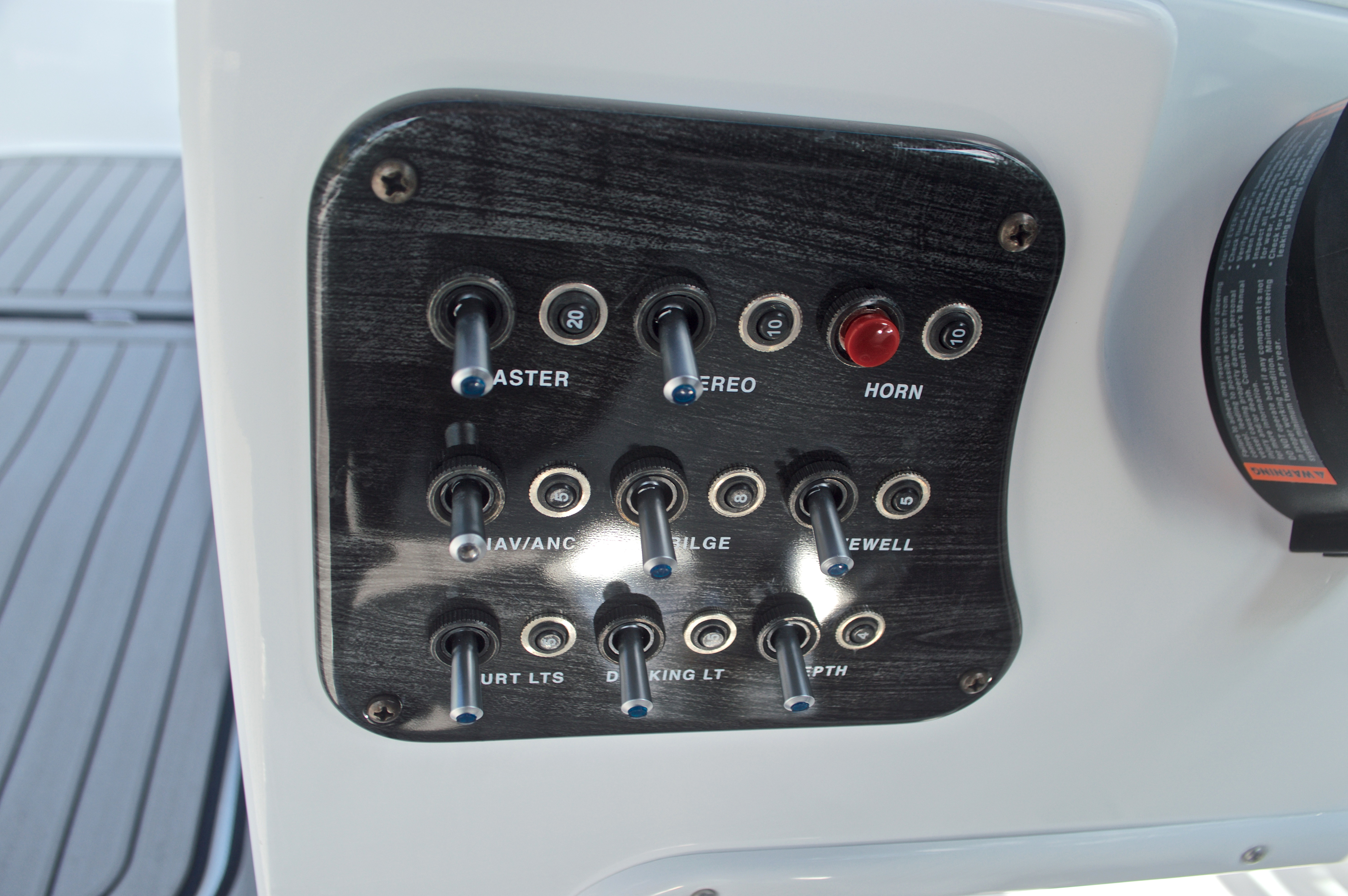 Thumbnail 30 for New 2017 Hurricane SunDeck SD 187 OB boat for sale in West Palm Beach, FL