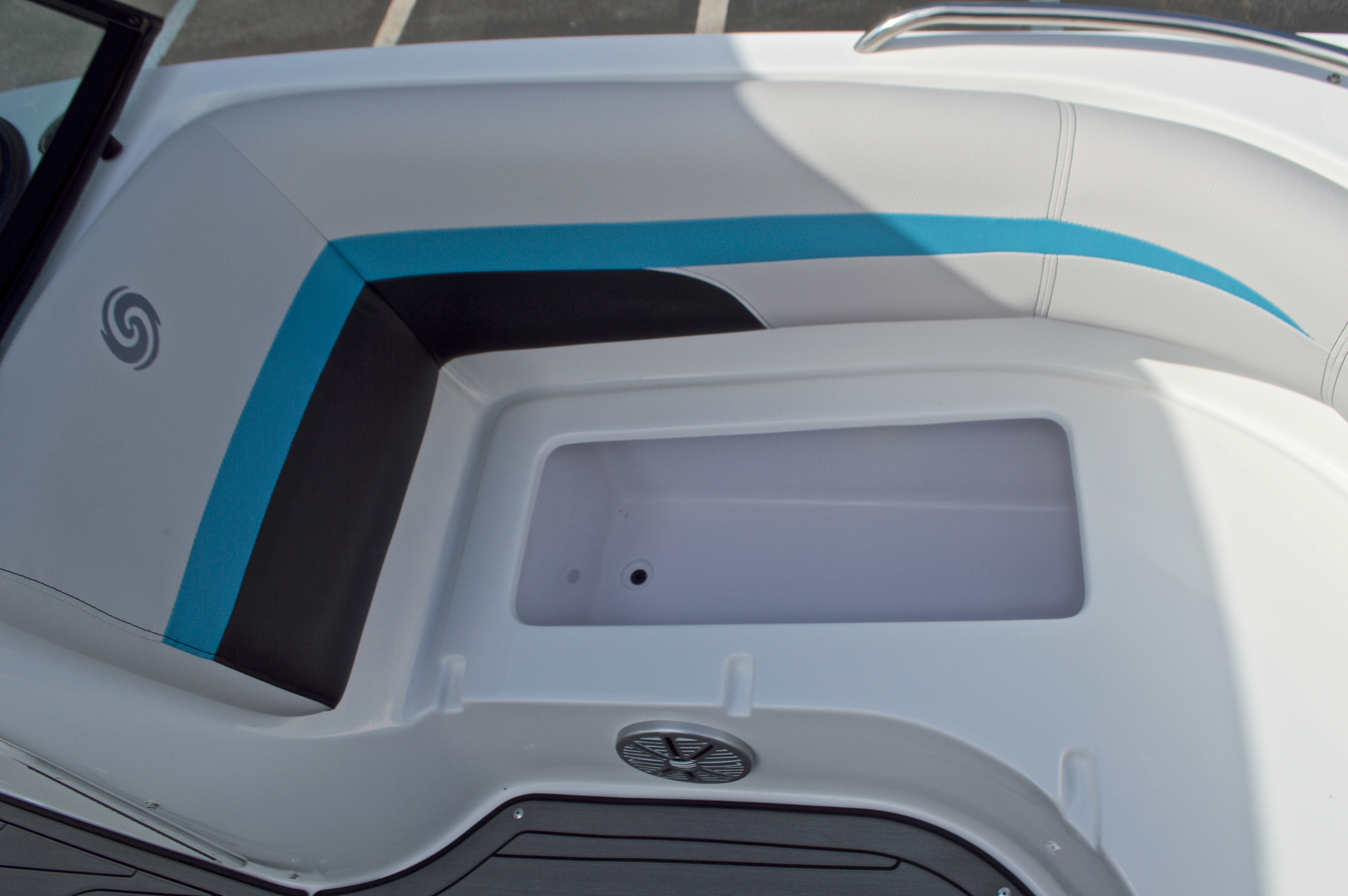 Thumbnail 39 for New 2017 Hurricane SunDeck SD 187 OB boat for sale in West Palm Beach, FL