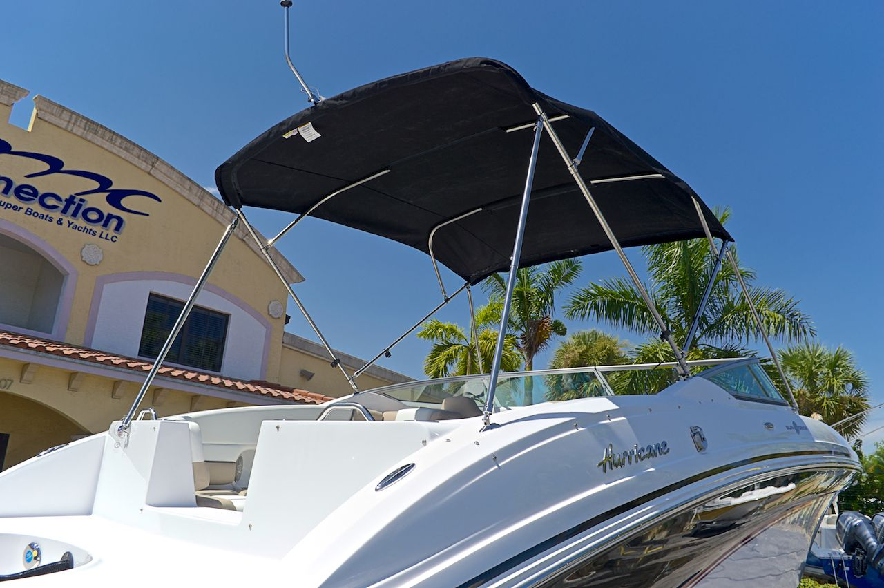 Used 2014 Hurricane Sundeck Sd 2690 Ob Boat For Sale In