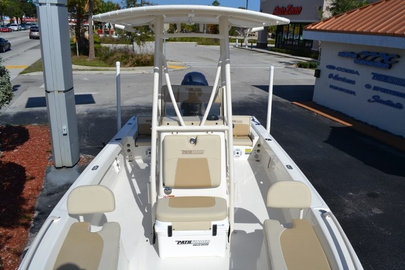 Thumbnail 12 for New 2017 Pathfinder 2200 TRS Bay Boat boat for sale in Vero Beach, FL