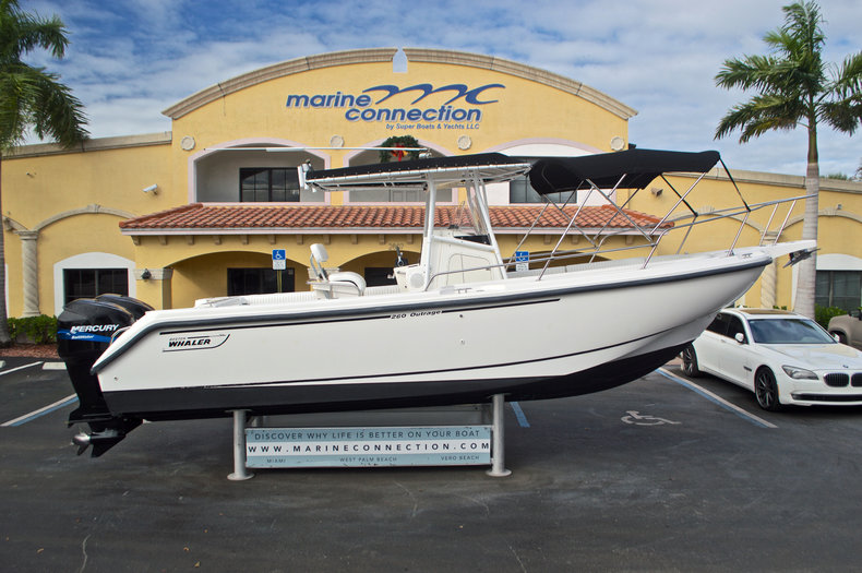 Photo for 1999 Boston Whaler 260 Outrage Center Console