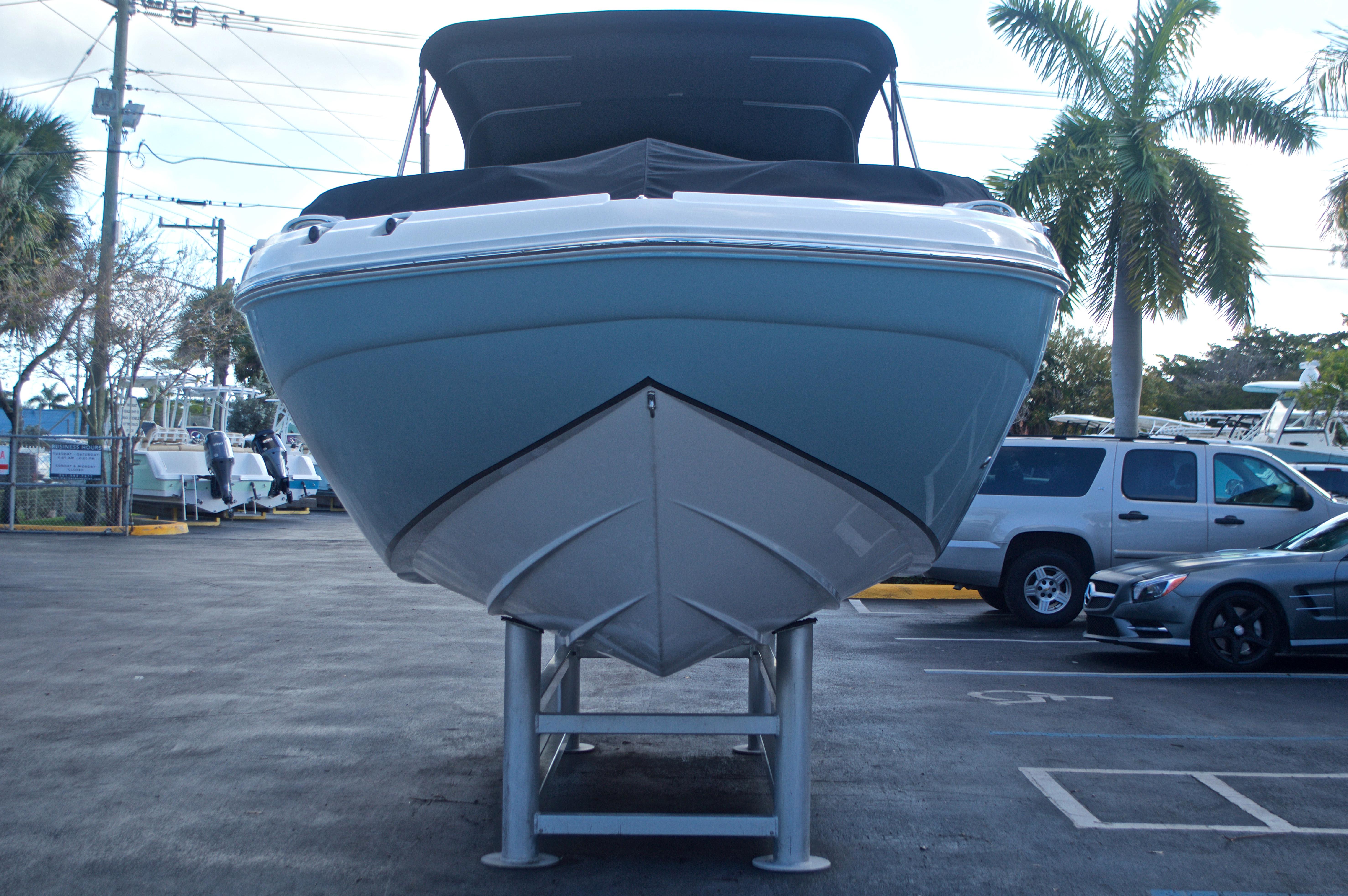 Thumbnail 11 for New 2017 Hurricane SunDeck SD 2400 OB boat for sale in Miami, FL