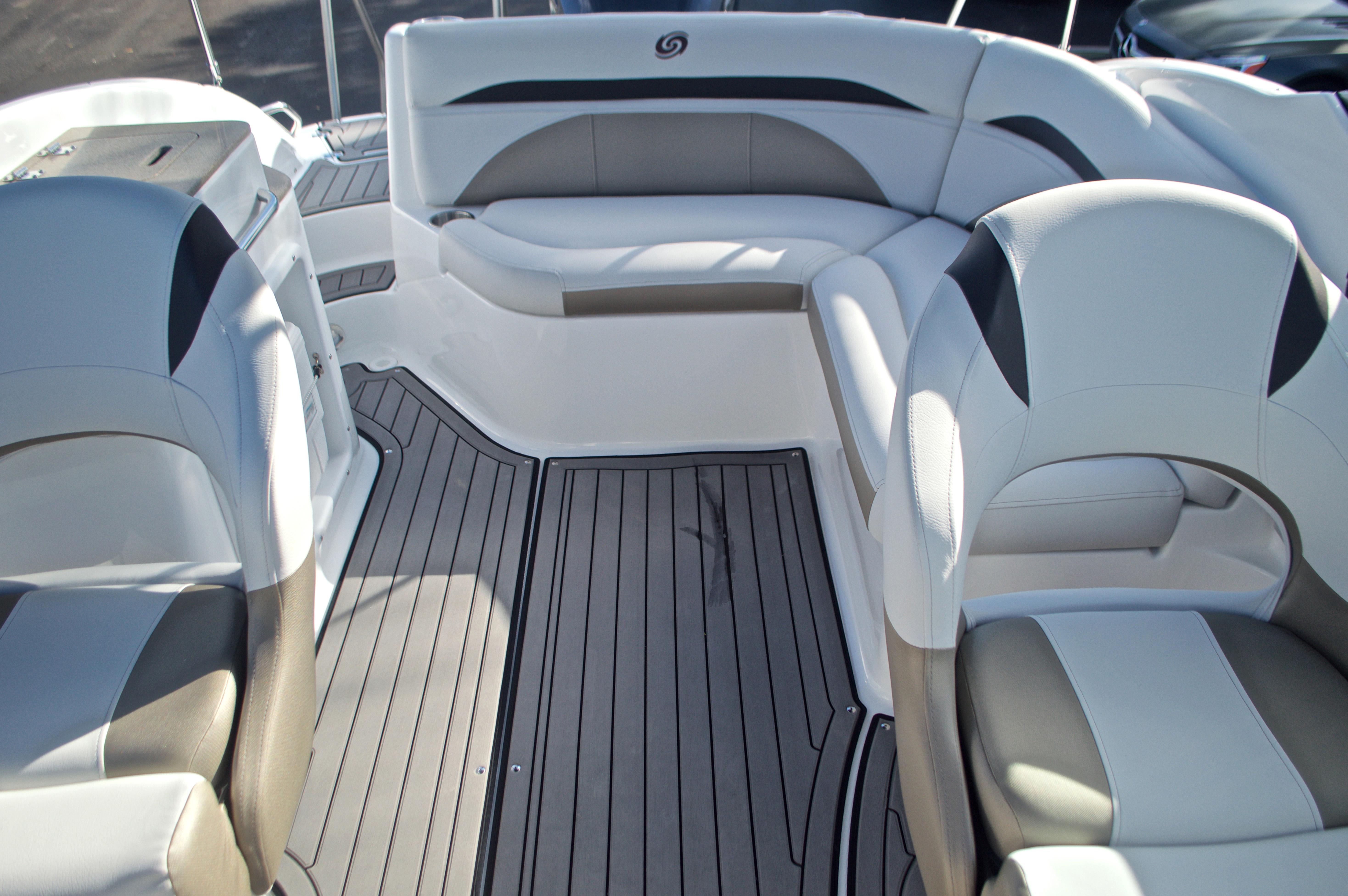 Thumbnail 15 for New 2017 Hurricane SunDeck SD 2400 OB boat for sale in Miami, FL
