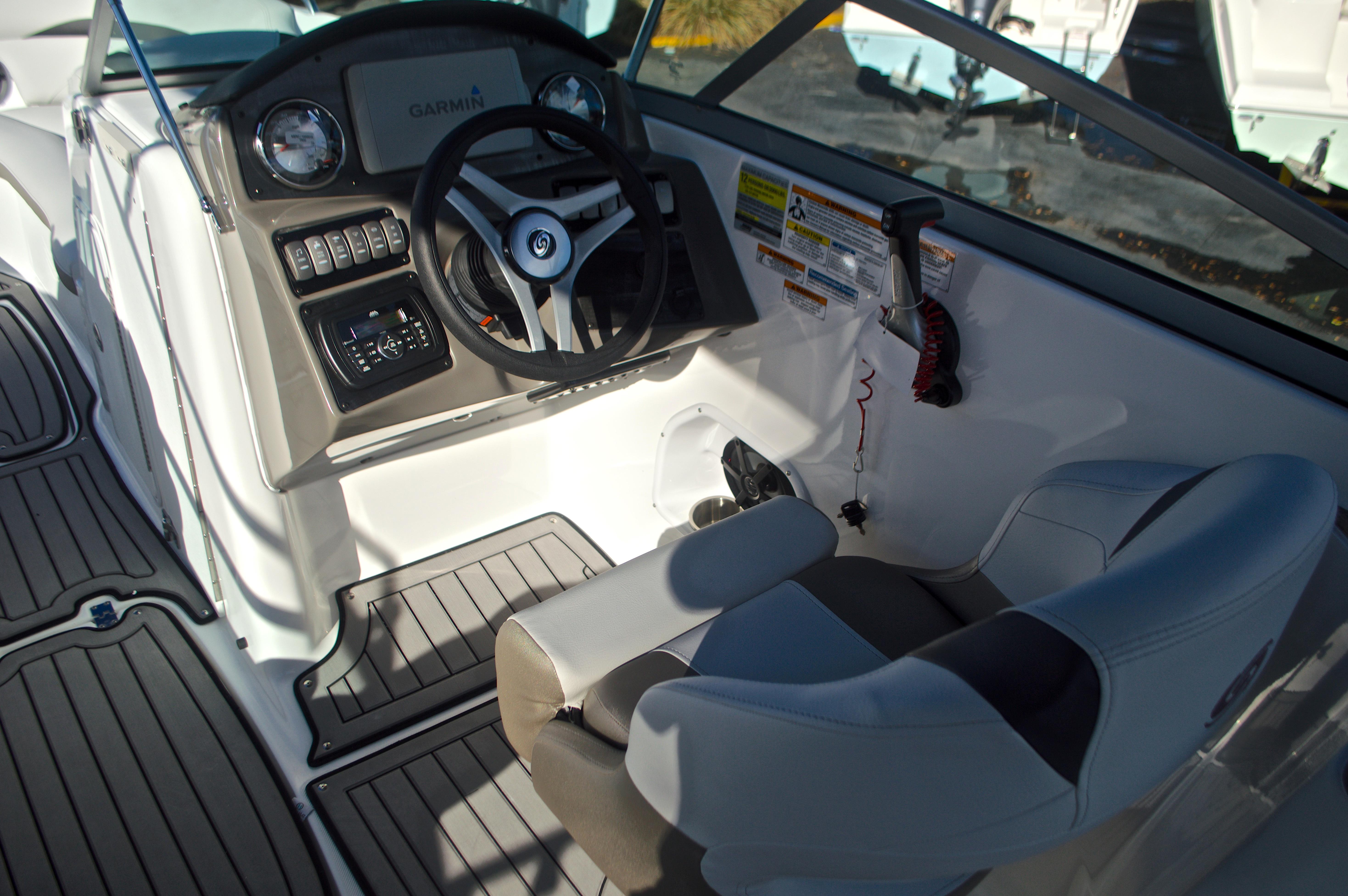 Thumbnail 38 for New 2017 Hurricane SunDeck SD 2400 OB boat for sale in Miami, FL