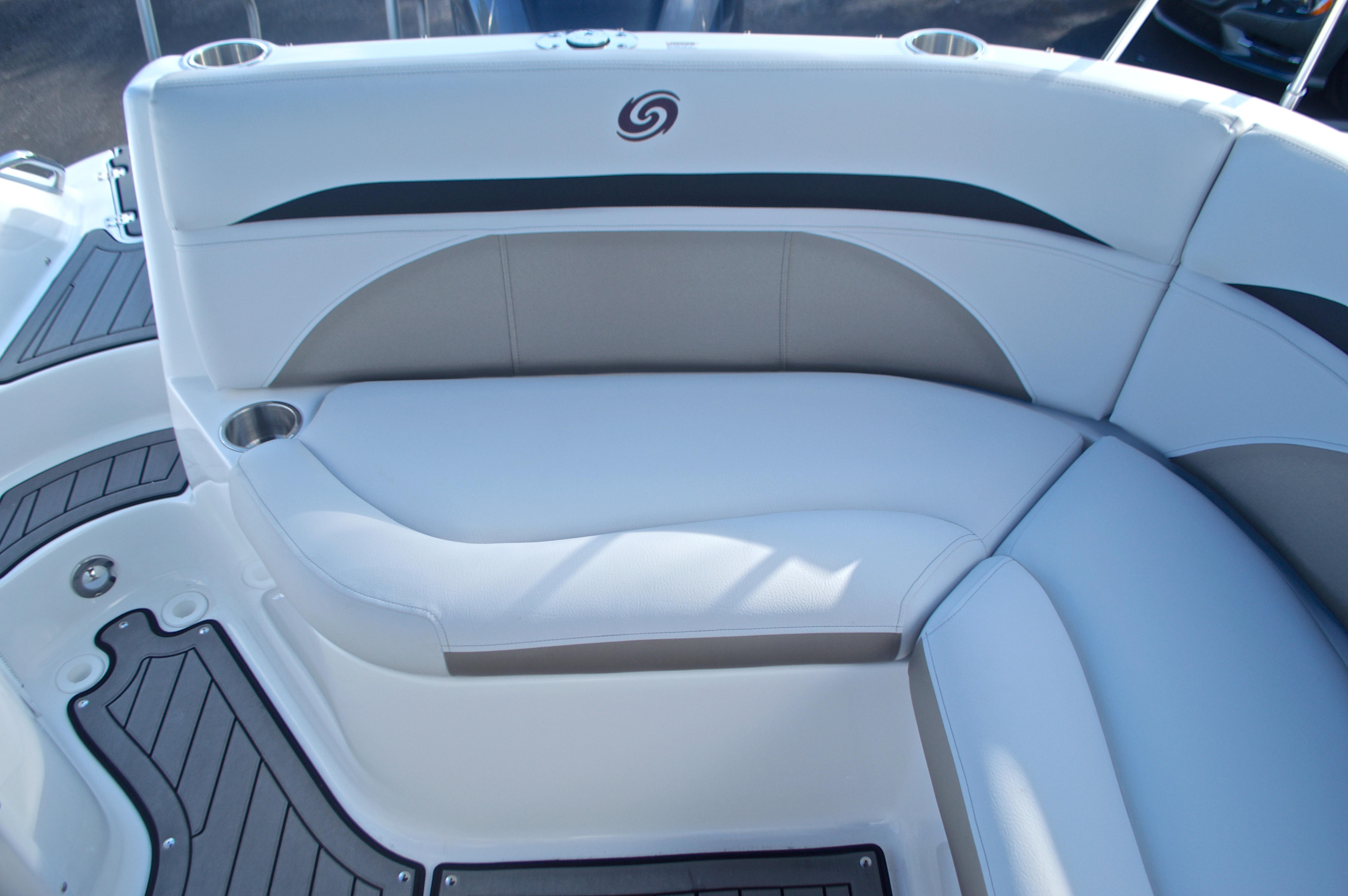 Thumbnail 29 for New 2017 Hurricane SunDeck SD 2400 OB boat for sale in Miami, FL