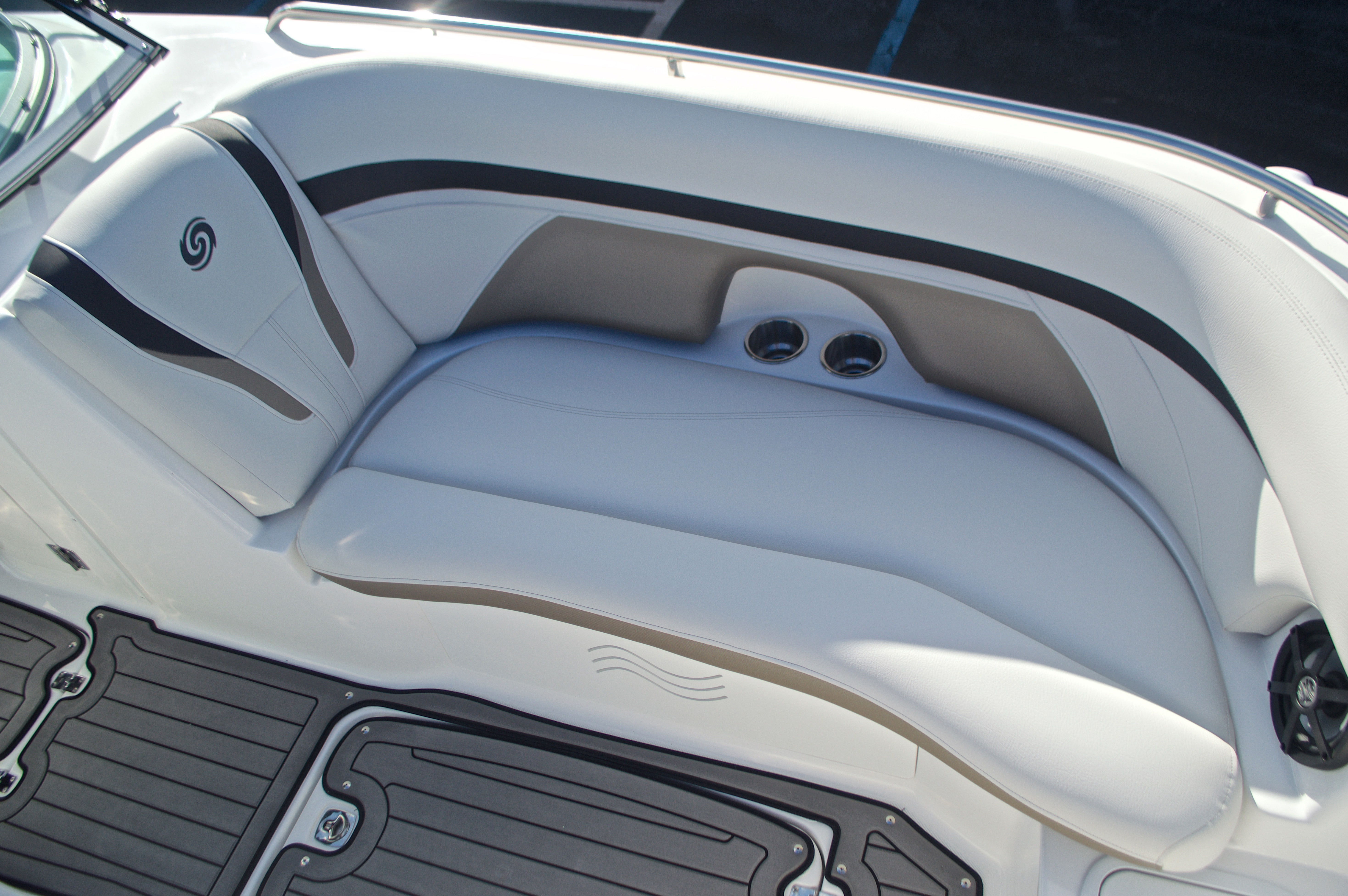 Thumbnail 58 for New 2017 Hurricane SunDeck SD 2400 OB boat for sale in Miami, FL