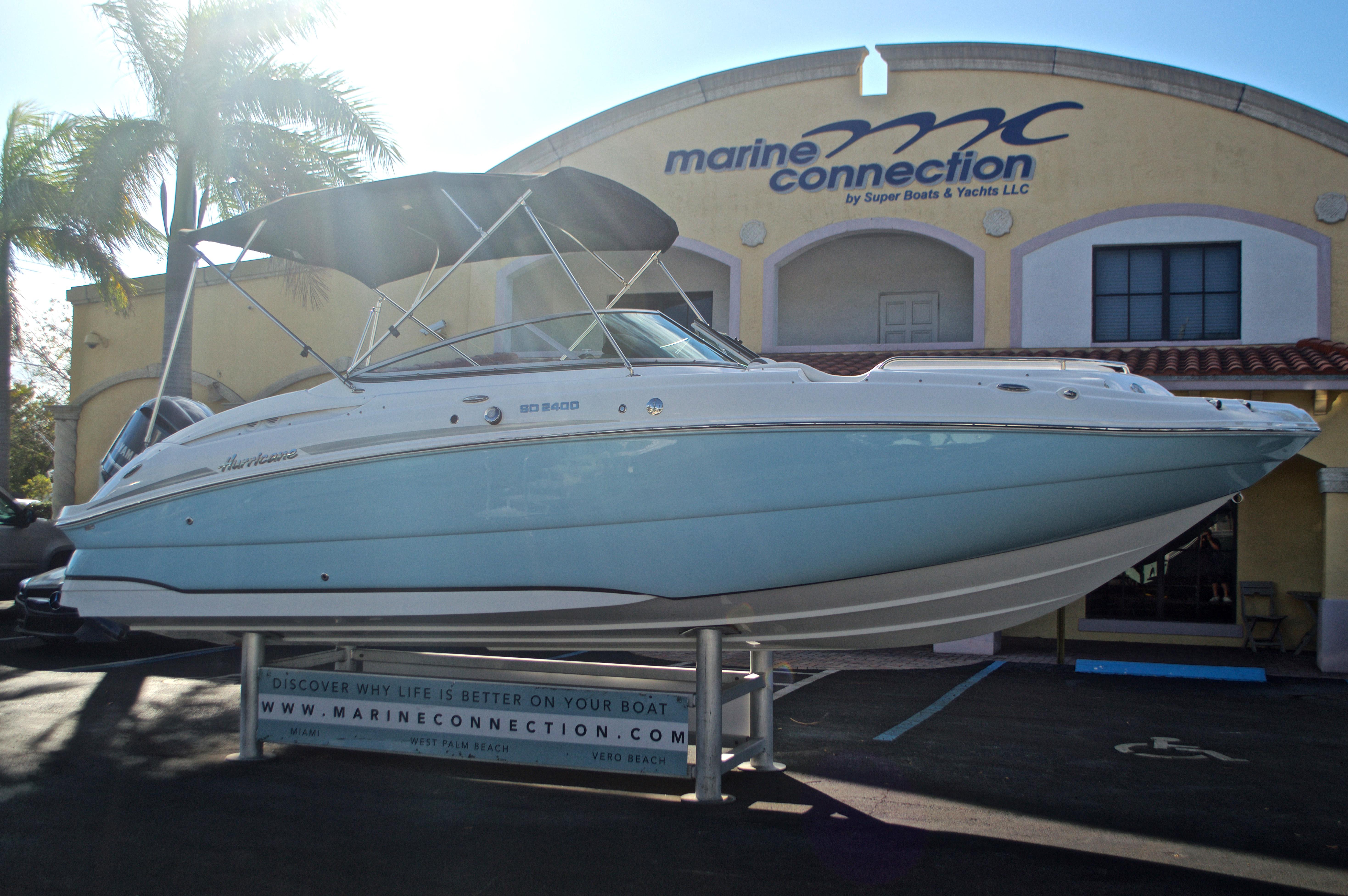 Thumbnail 1 for New 2017 Hurricane SunDeck SD 2400 OB boat for sale in Miami, FL