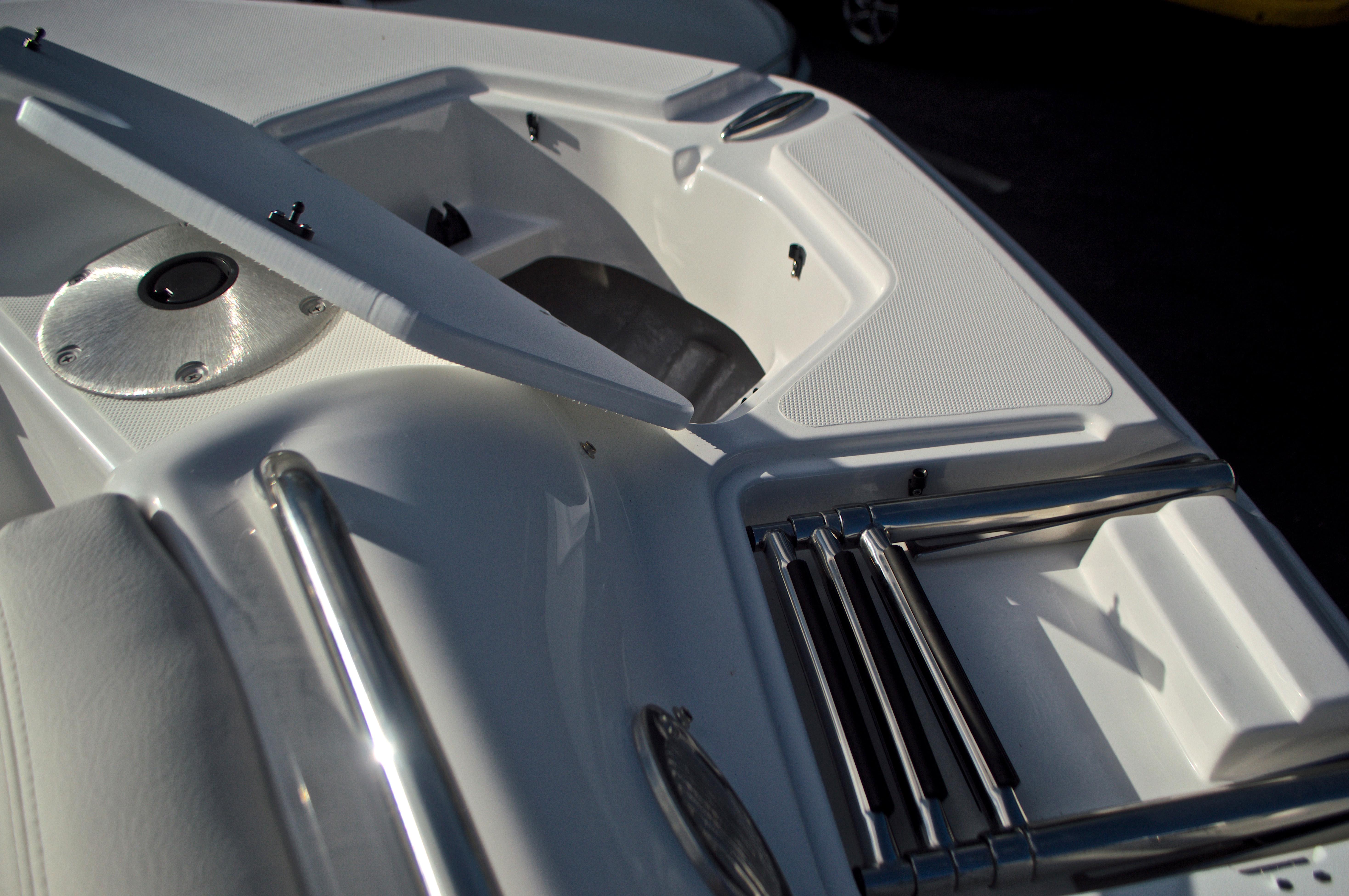 Thumbnail 65 for New 2017 Hurricane SunDeck SD 2400 OB boat for sale in Miami, FL