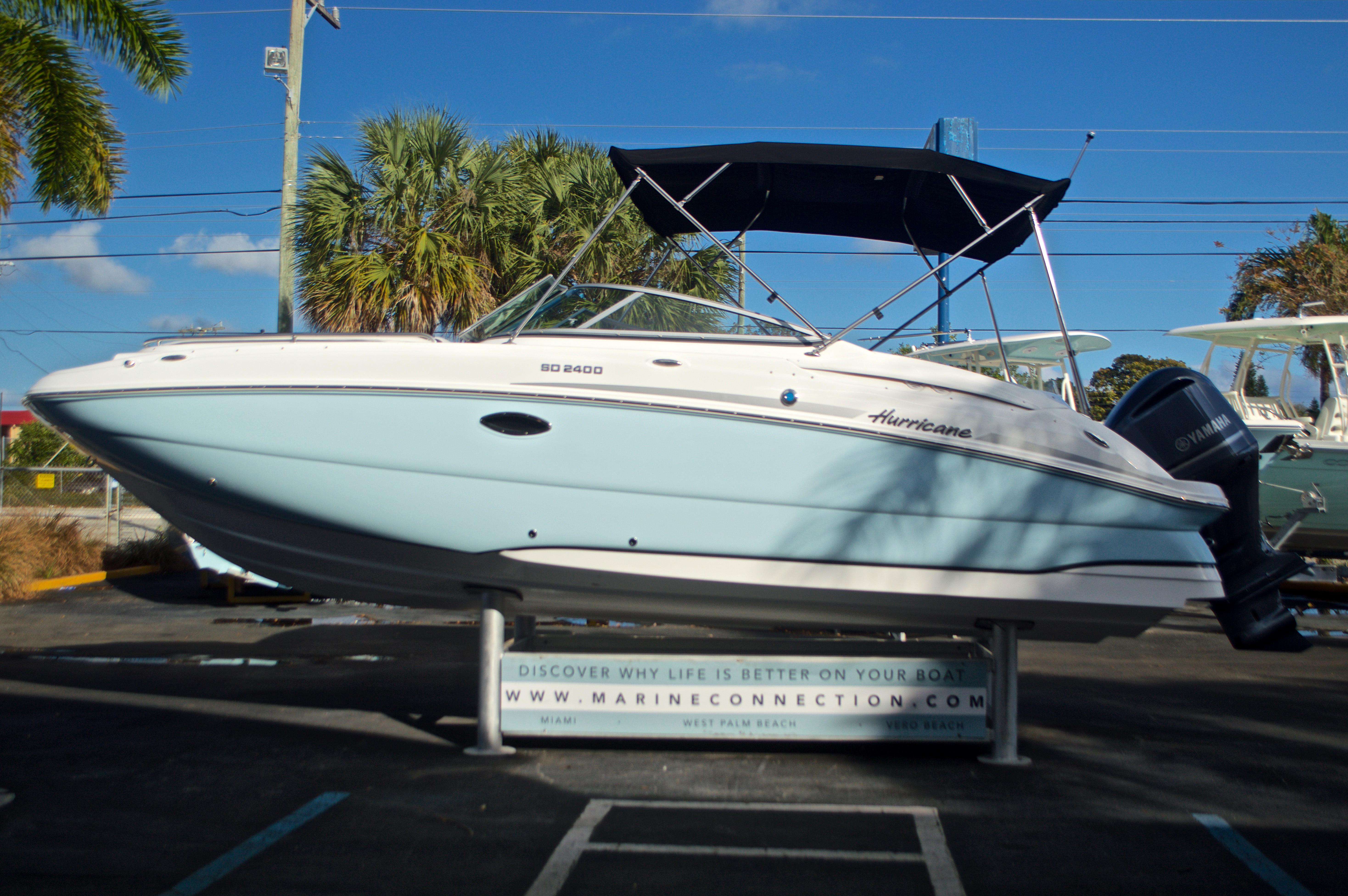 Thumbnail 4 for New 2017 Hurricane SunDeck SD 2400 OB boat for sale in Miami, FL