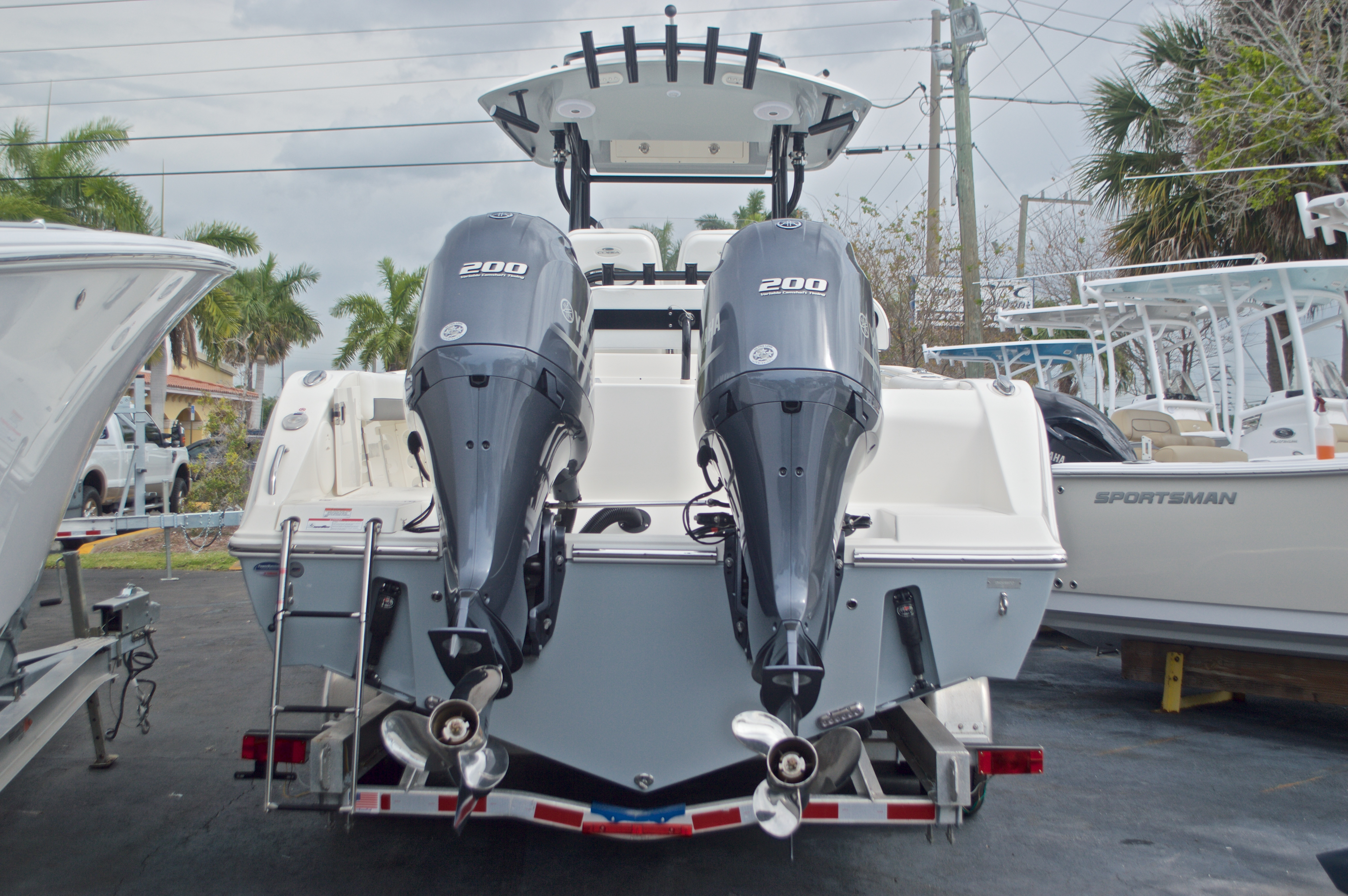 Thumbnail 2 for New 2017 Cobia 277 Center Console boat for sale in Miami, FL