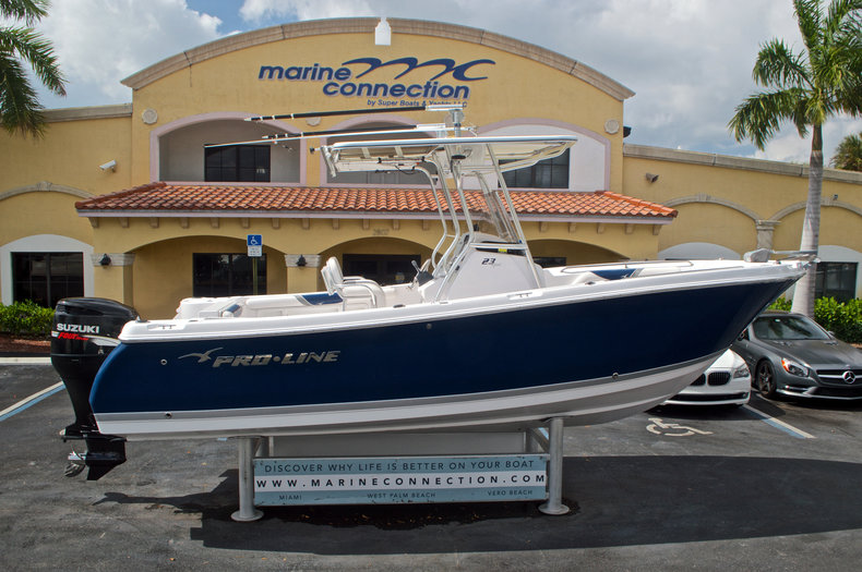 Used 2010 Pro-Line 23 Sport Center Console boat for sale in West Palm Beach, FL