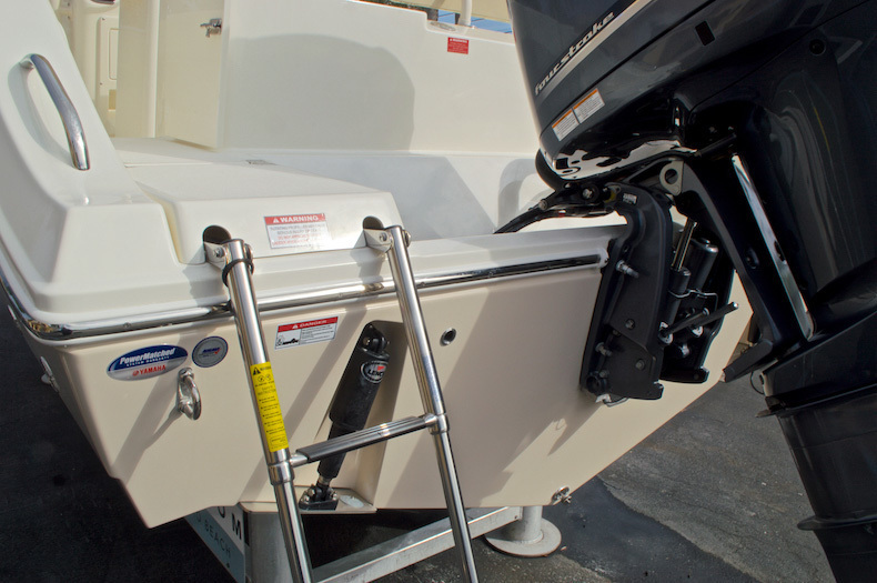 Thumbnail 11 for New 2017 Cobia 237 Center Console boat for sale in Miami, FL
