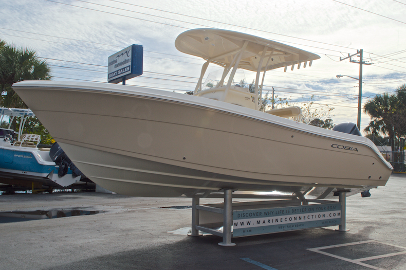 Thumbnail 4 for New 2017 Cobia 237 Center Console boat for sale in Miami, FL