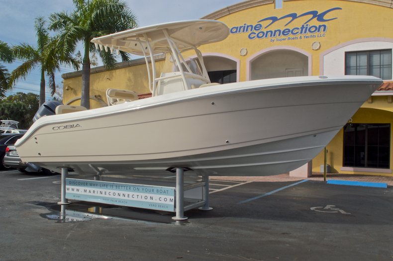 Thumbnail 1 for New 2017 Cobia 237 Center Console boat for sale in Miami, FL