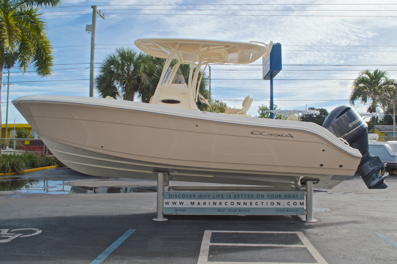 Thumbnail 5 for New 2017 Cobia 237 Center Console boat for sale in Miami, FL