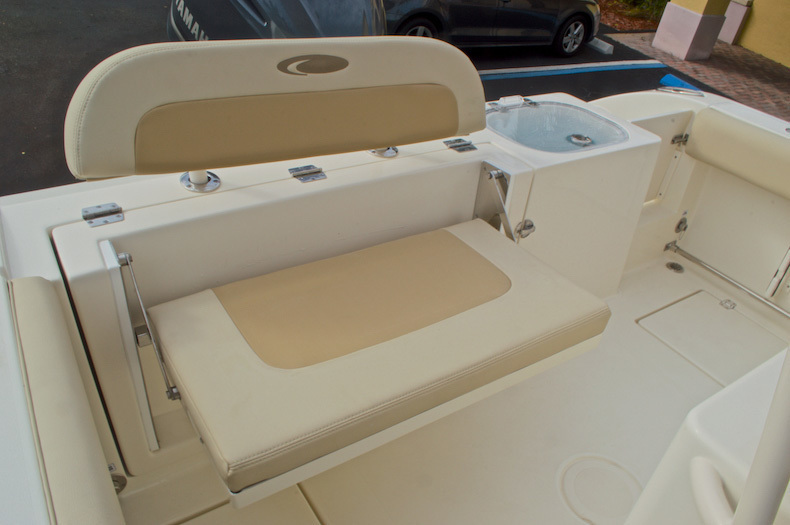 Thumbnail 17 for New 2017 Cobia 237 Center Console boat for sale in Miami, FL