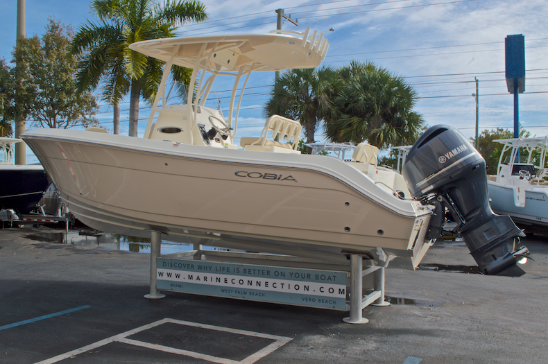 Thumbnail 6 for New 2017 Cobia 237 Center Console boat for sale in Miami, FL