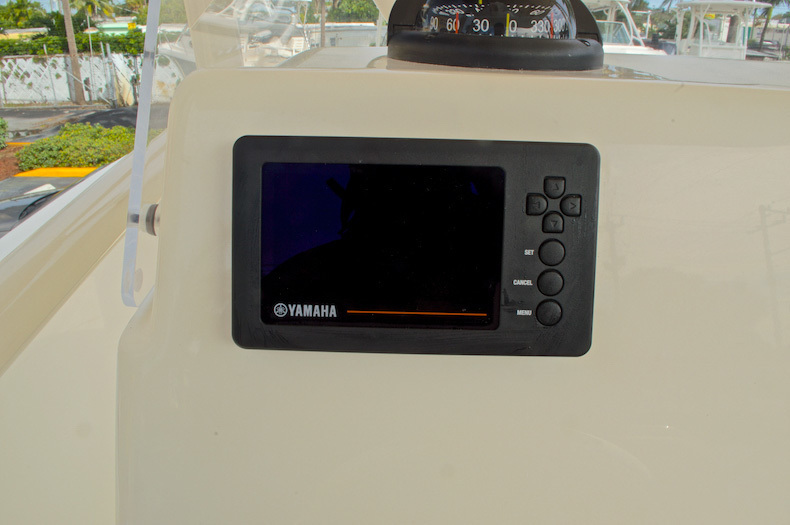 Thumbnail 36 for New 2017 Cobia 237 Center Console boat for sale in Miami, FL