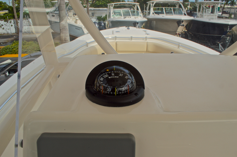 Thumbnail 34 for New 2017 Cobia 237 Center Console boat for sale in Miami, FL