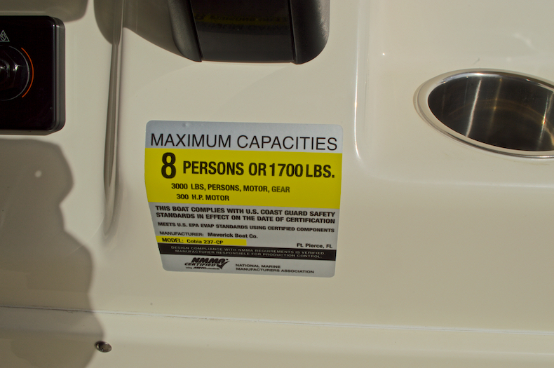 Thumbnail 40 for New 2017 Cobia 237 Center Console boat for sale in Miami, FL